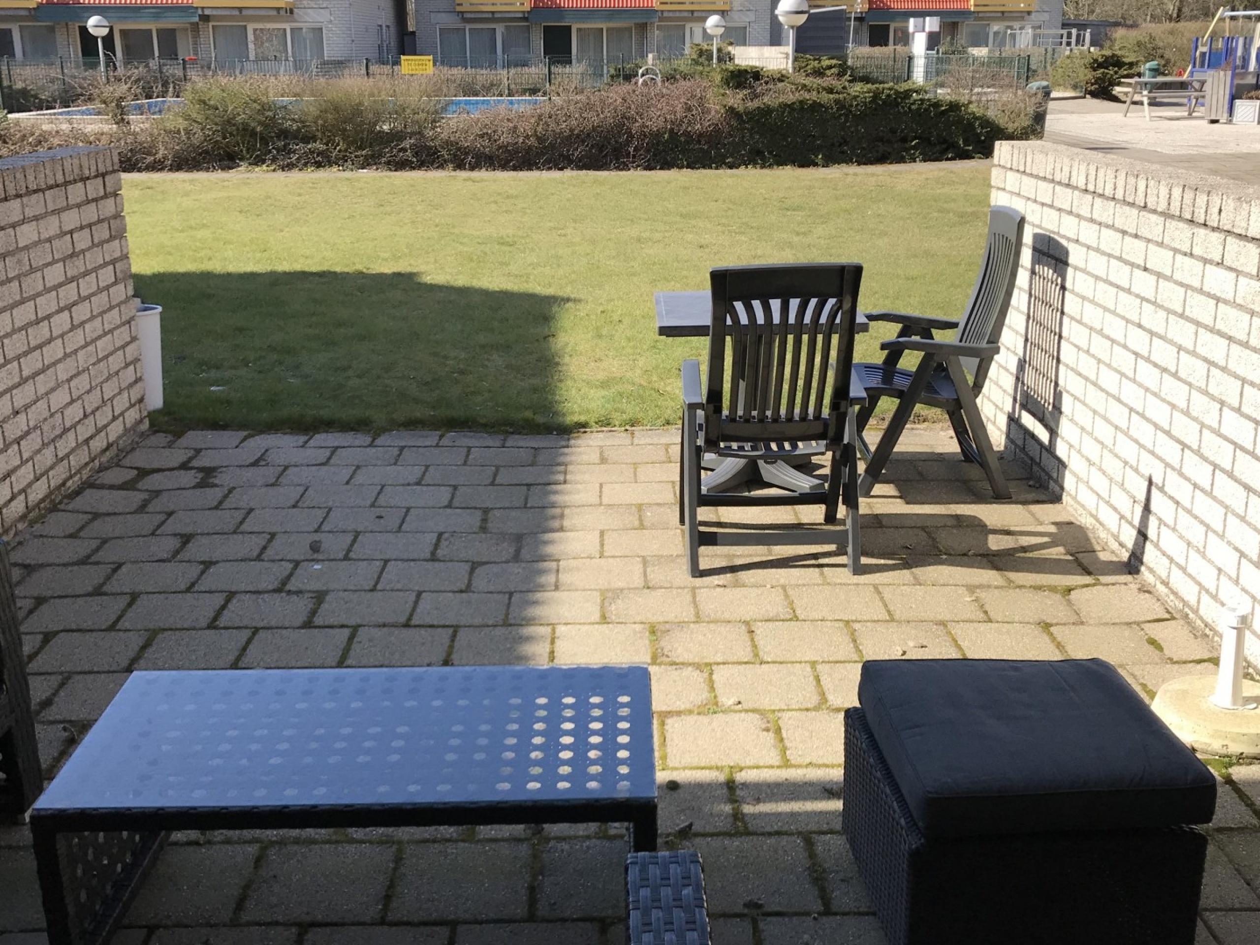 Leuke, kleine studio met royaal terras en ideale ligging aan de rand van De Koog