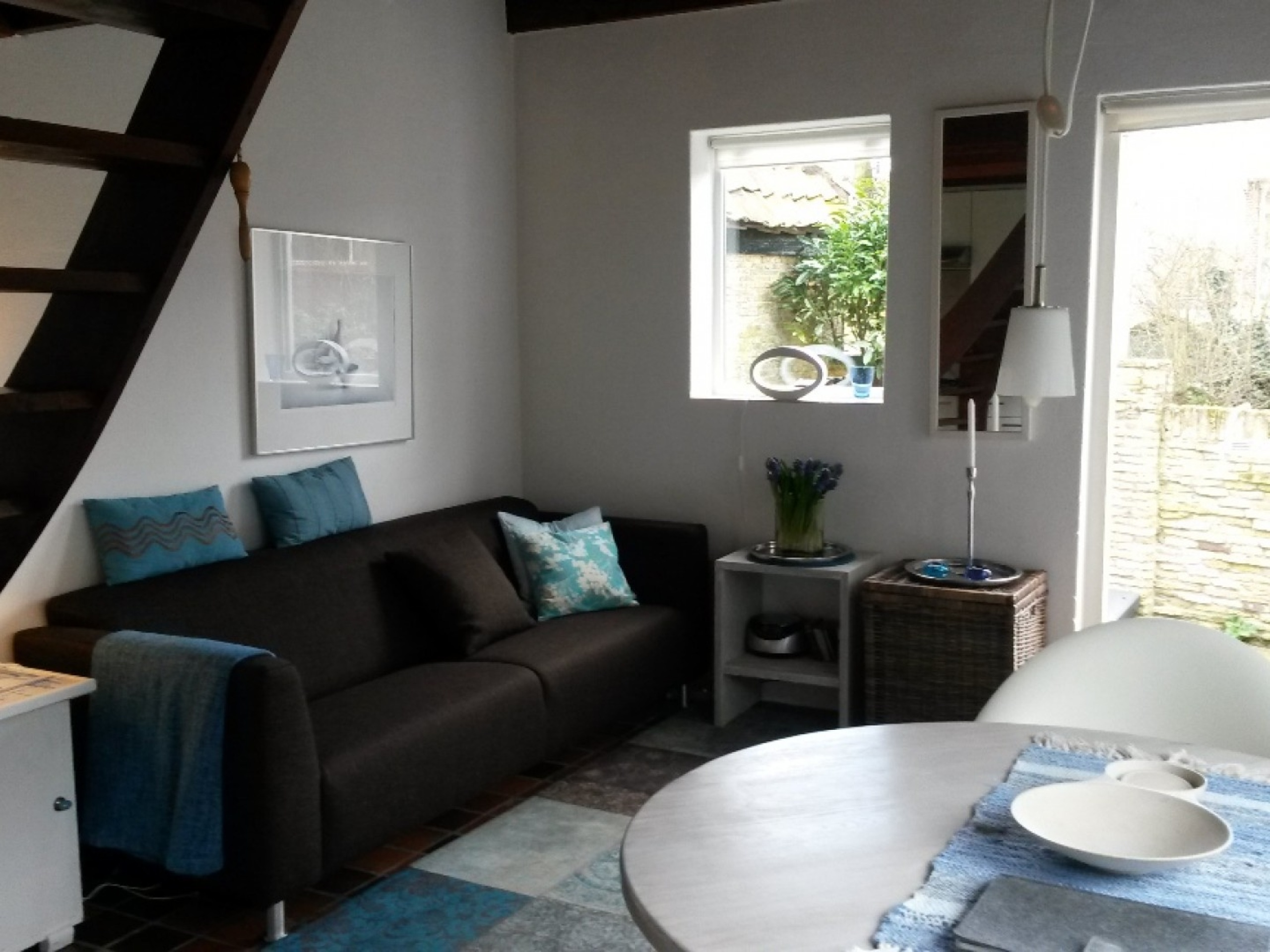 South-facing apartment in farmhouse in the heart of Den Hoorn