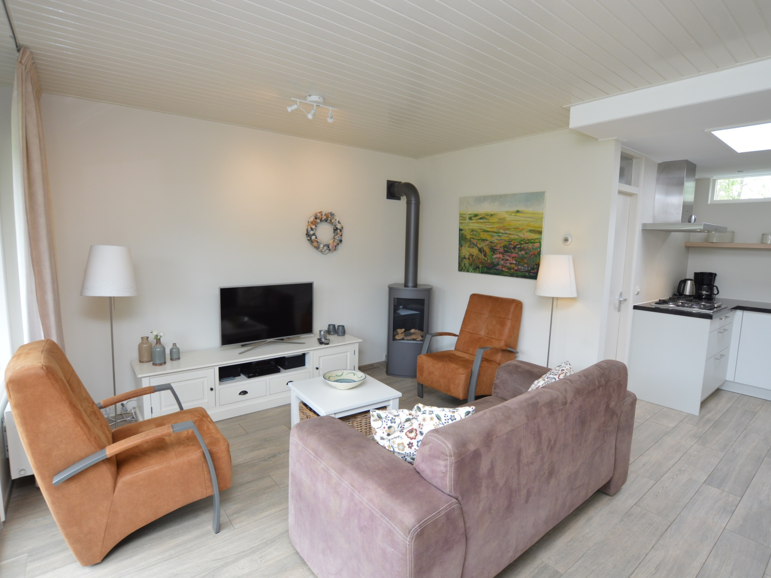 Detached spacious holiday home with lovely garden by the forest