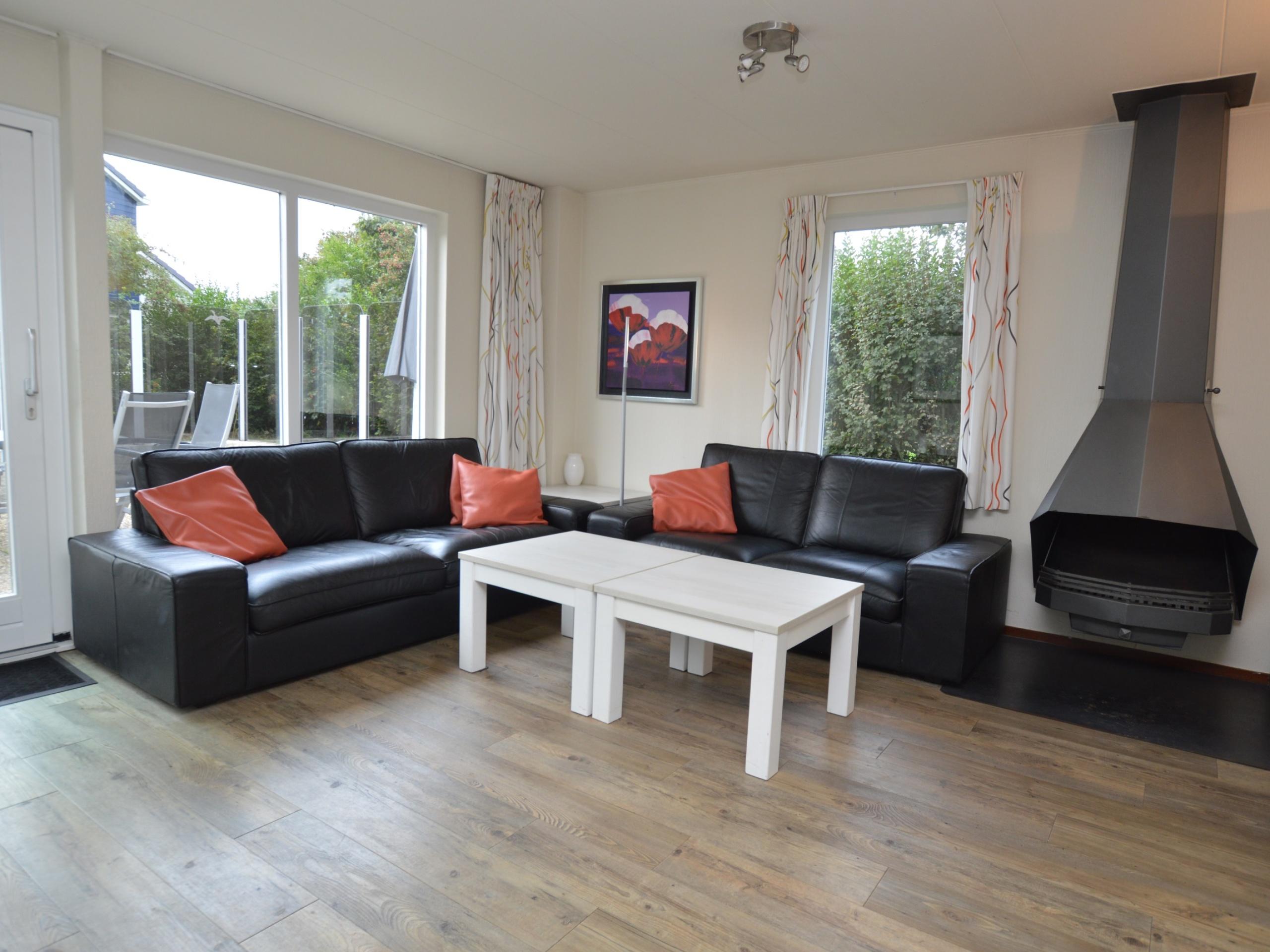 Comfortabel vakantiehuis, rustig gelegen op het Beachpark Texel, op loopafstand van het centrum van De Koog.