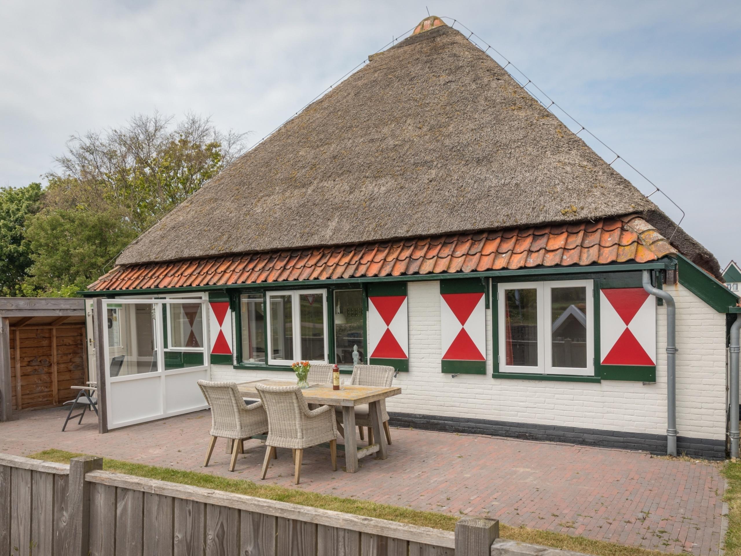 Sfeervol appartement in authentiek stolpboerderij bij Den Hoorn
