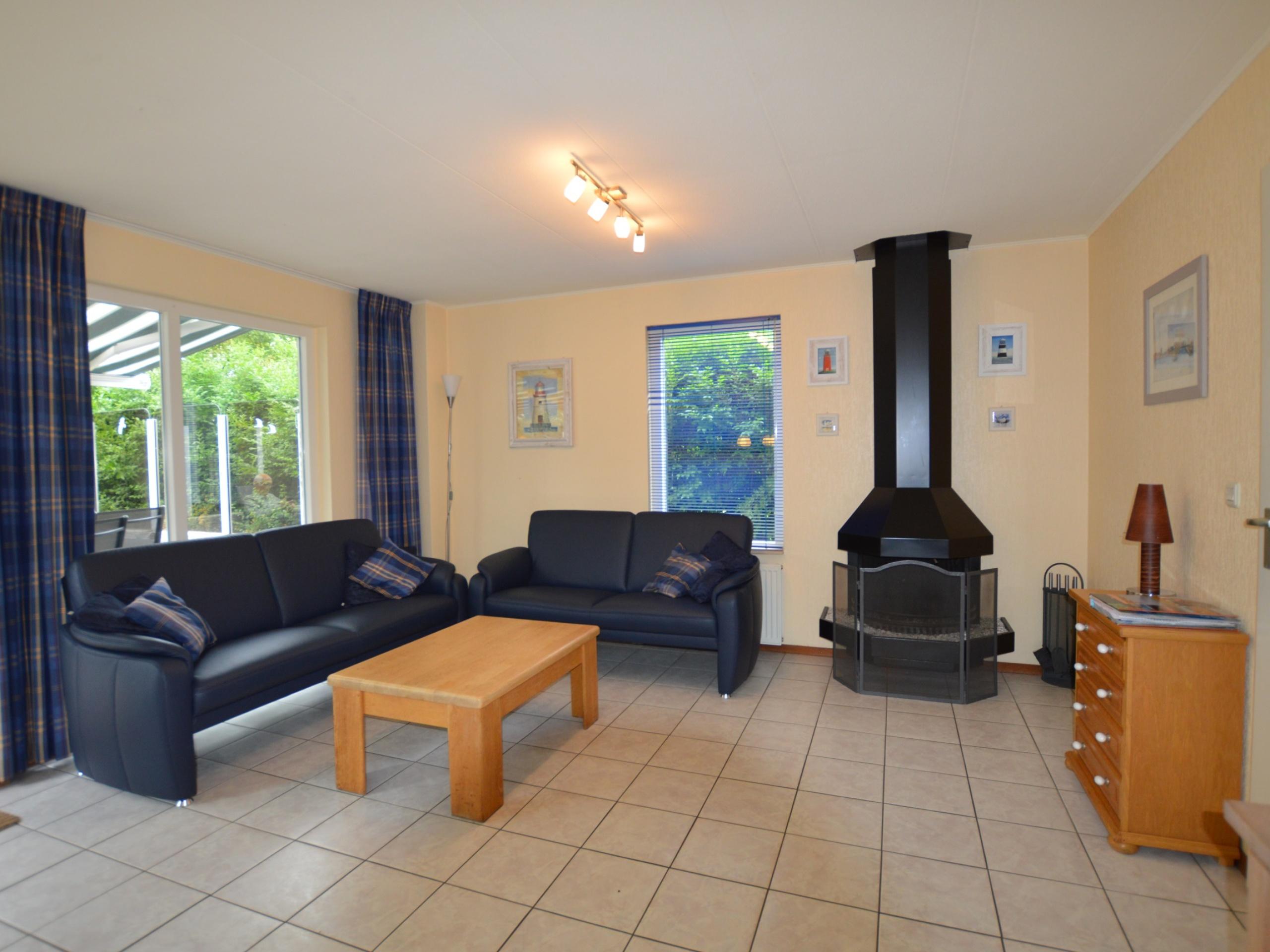 Komfortables Ferienhaus in De Koog, ruhig am Beach Park gelegen, nur wenige Gehminuten vom Zentrum und dem Strand entfernt.