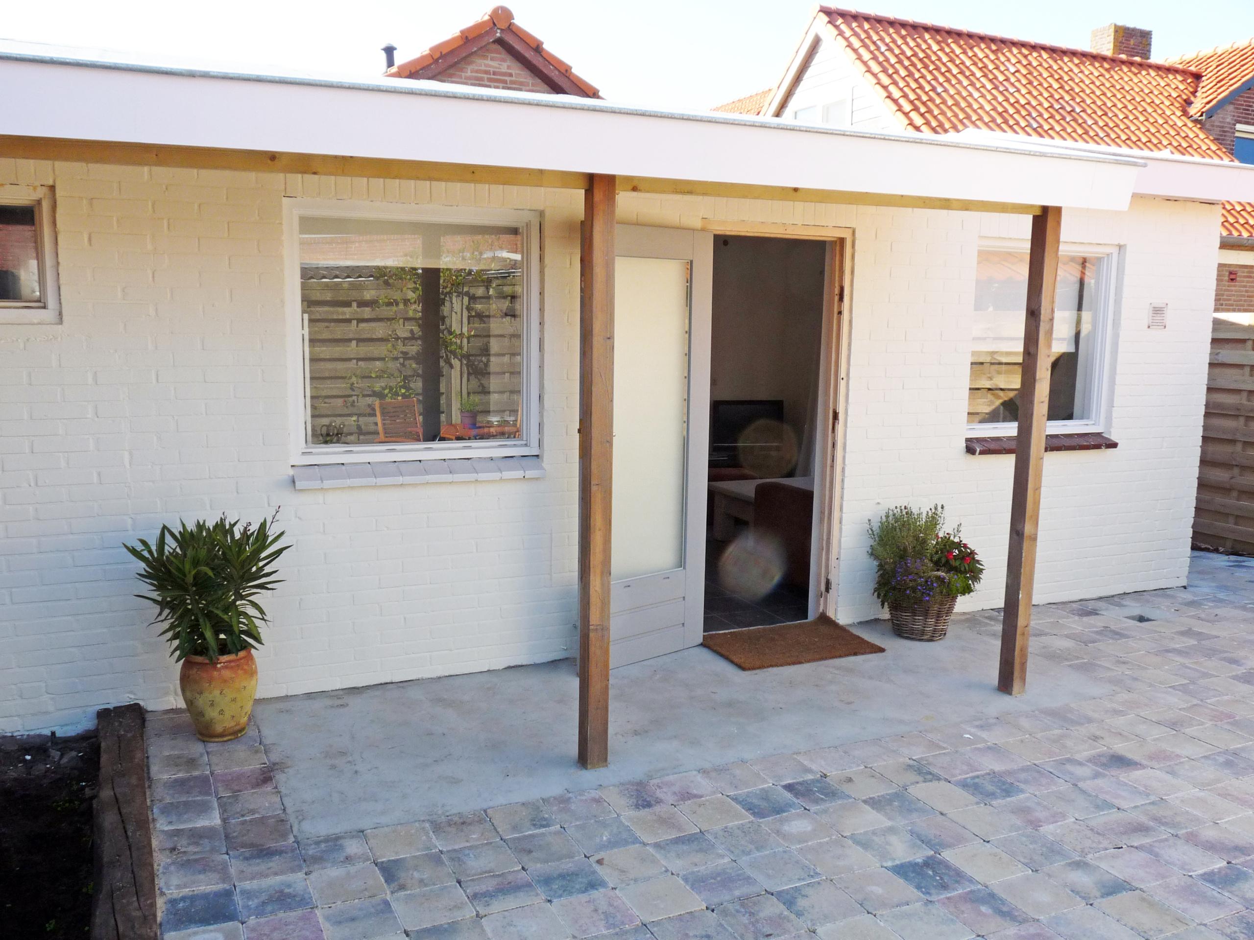 Modernes Studio mitten im Badeort De Koog mit Privatterrasse