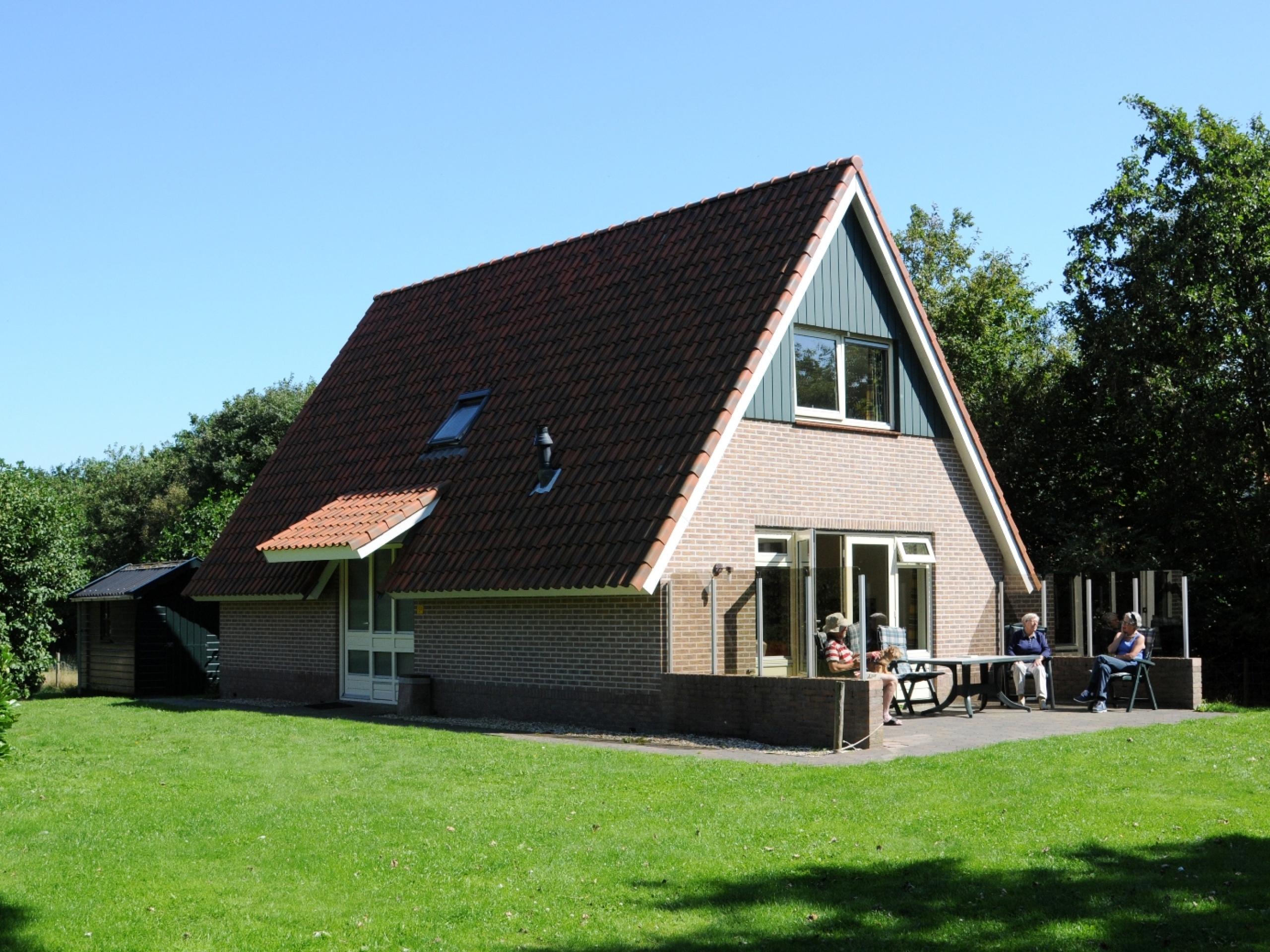 Comfortabel vrijstaand vakantiehuis met veel privacy vlakbij De Koog