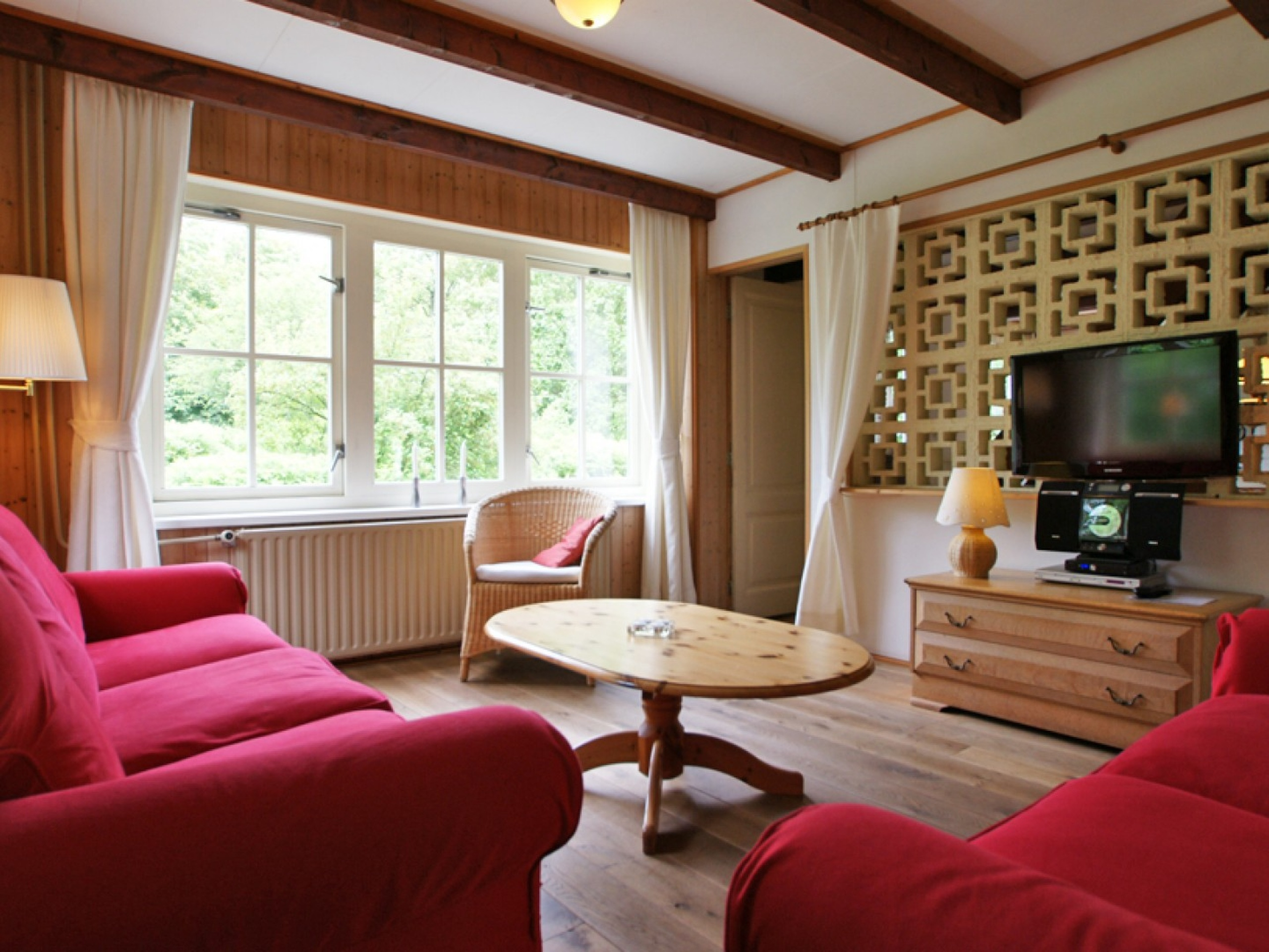 Attractive apartment quietly located outside De Koog. Central on Texel.