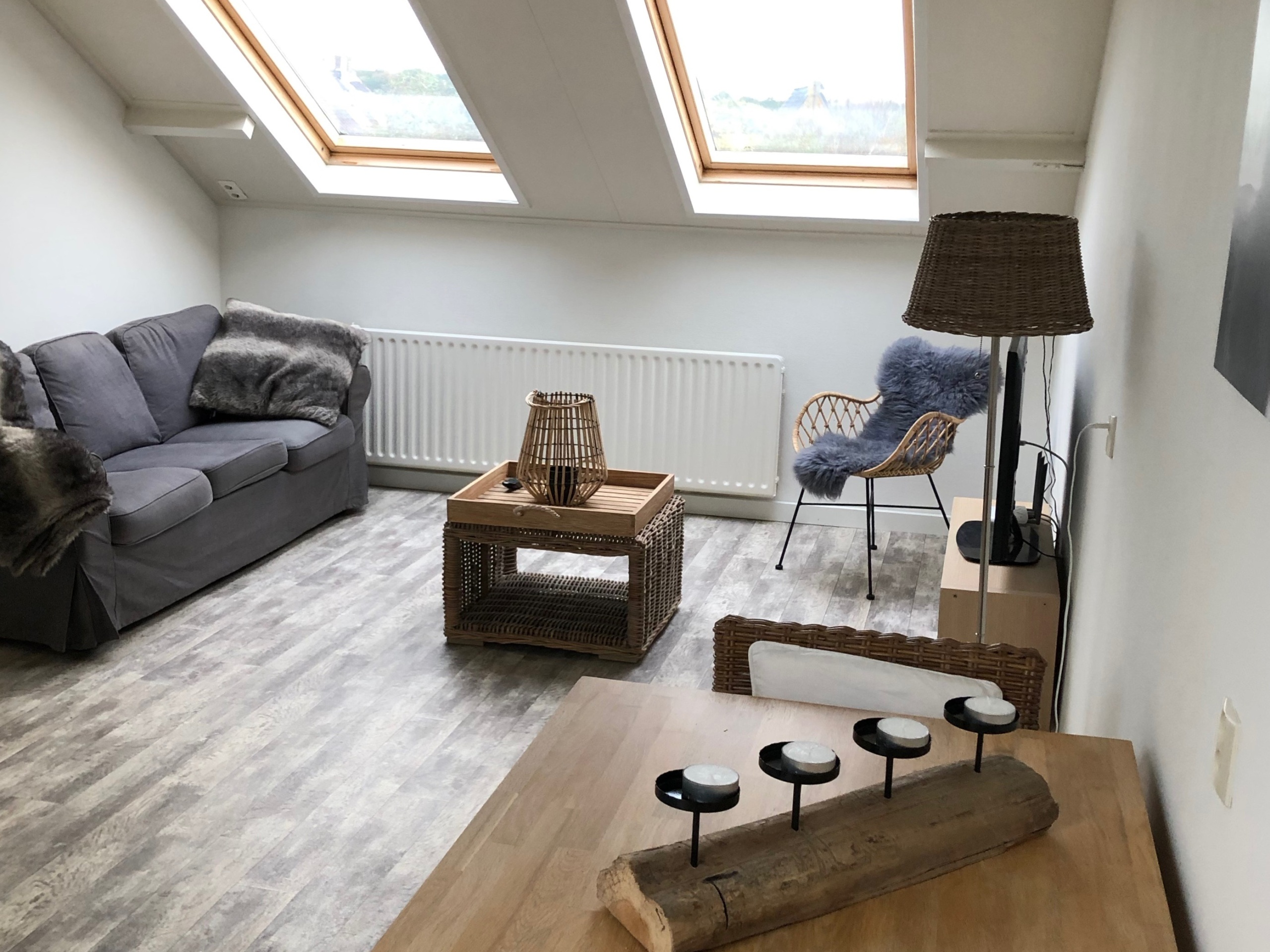 B&B with separate living room and bedroom in De Koog. Beach within walking distance!