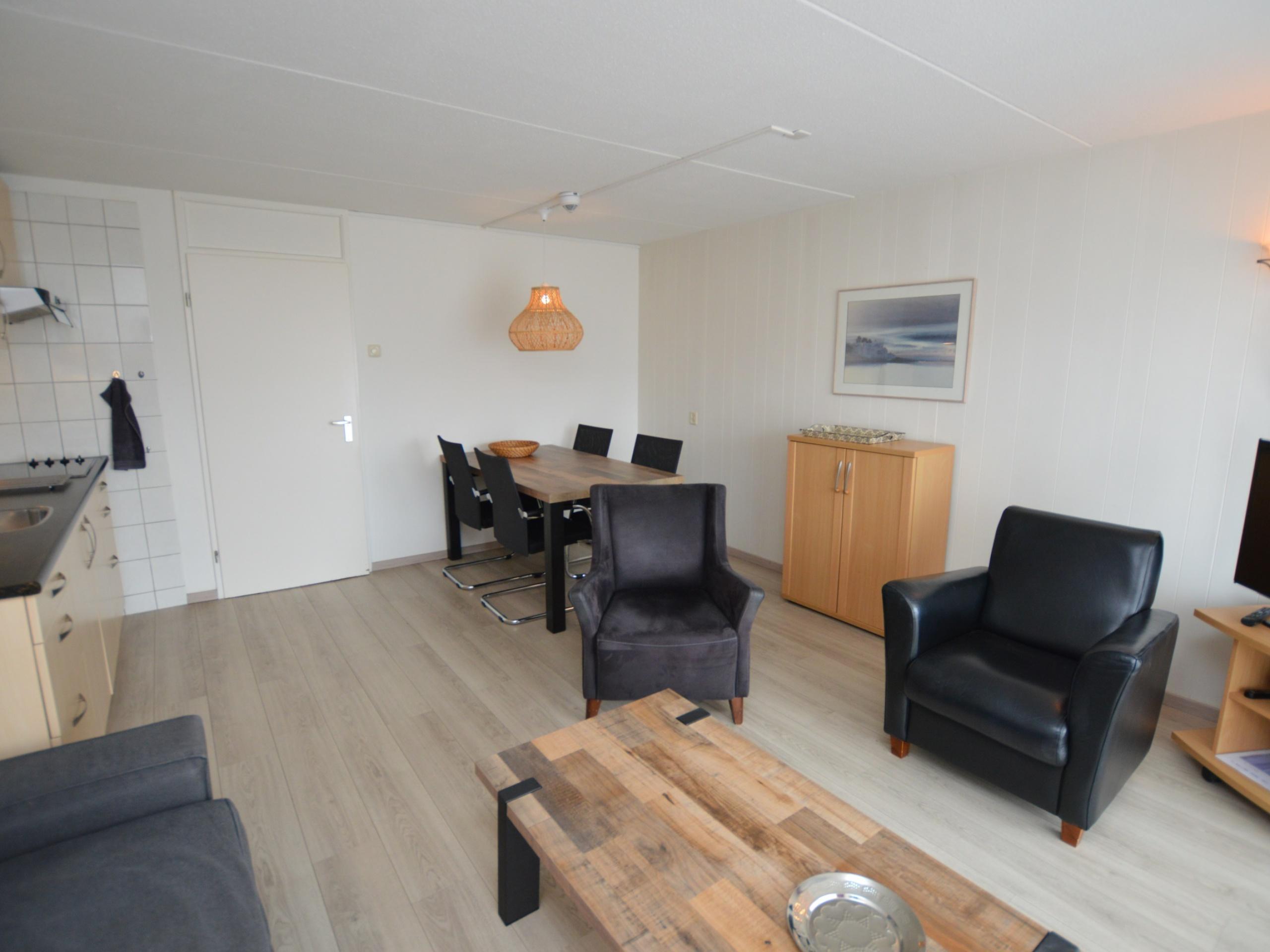 Ideal gelegenes Apartment mit Balkon im 1. Stock am Fuße der Dünen, mitten in De Koog.