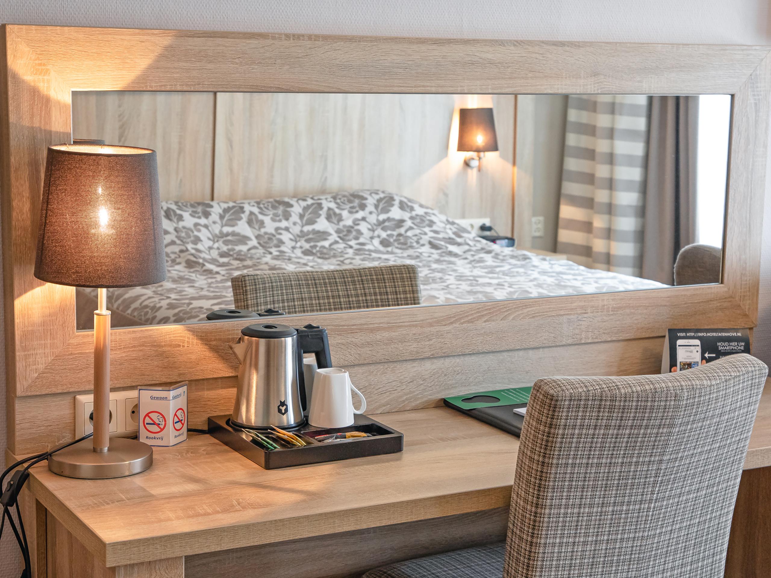 Geräumiges Zimmer mit Balkon in einem tollen Hotel in der Nähe des Strandes und des Zentrums von De Koog