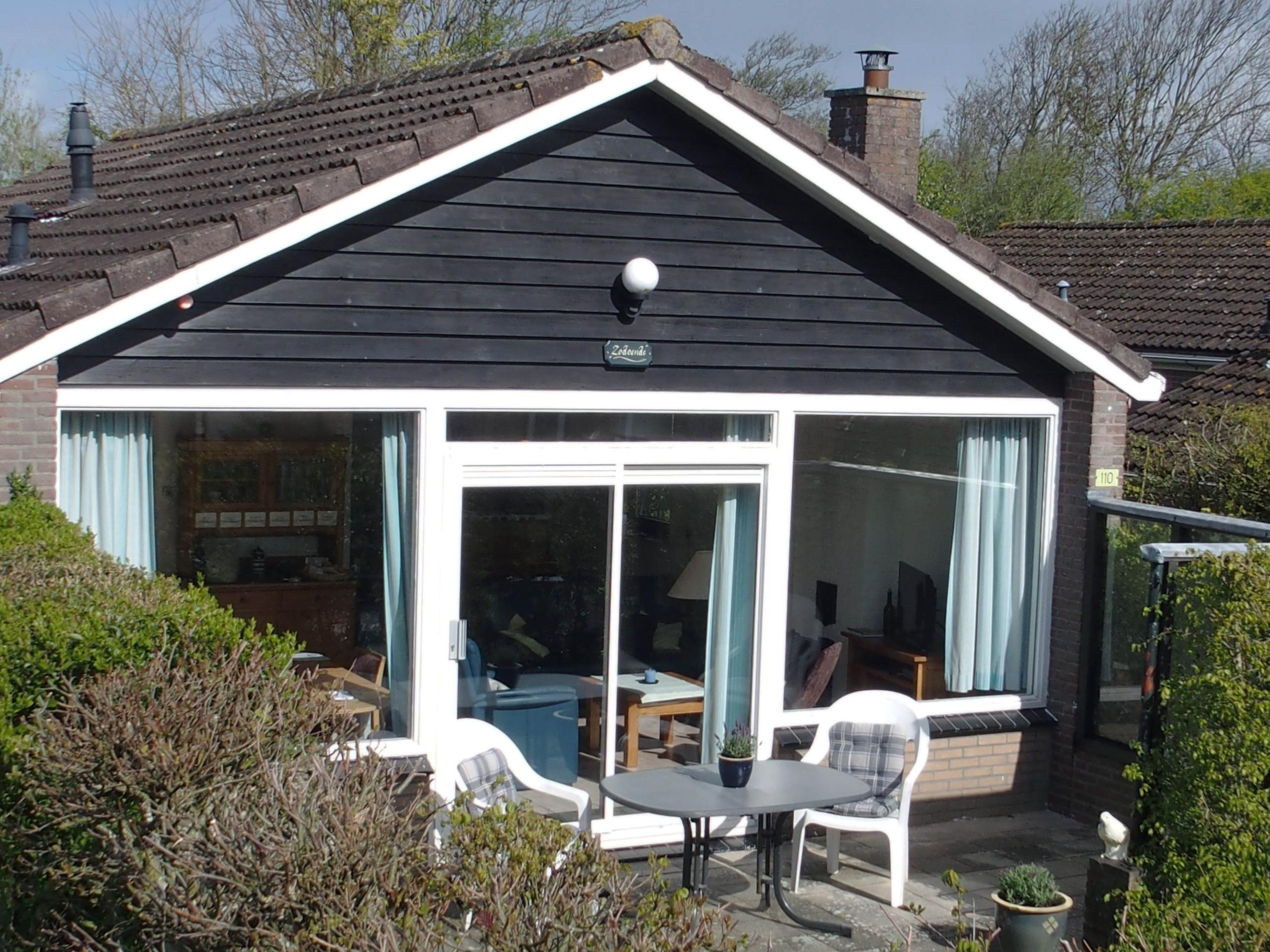 Holiday bungalow in a wonderful location at De Slufter