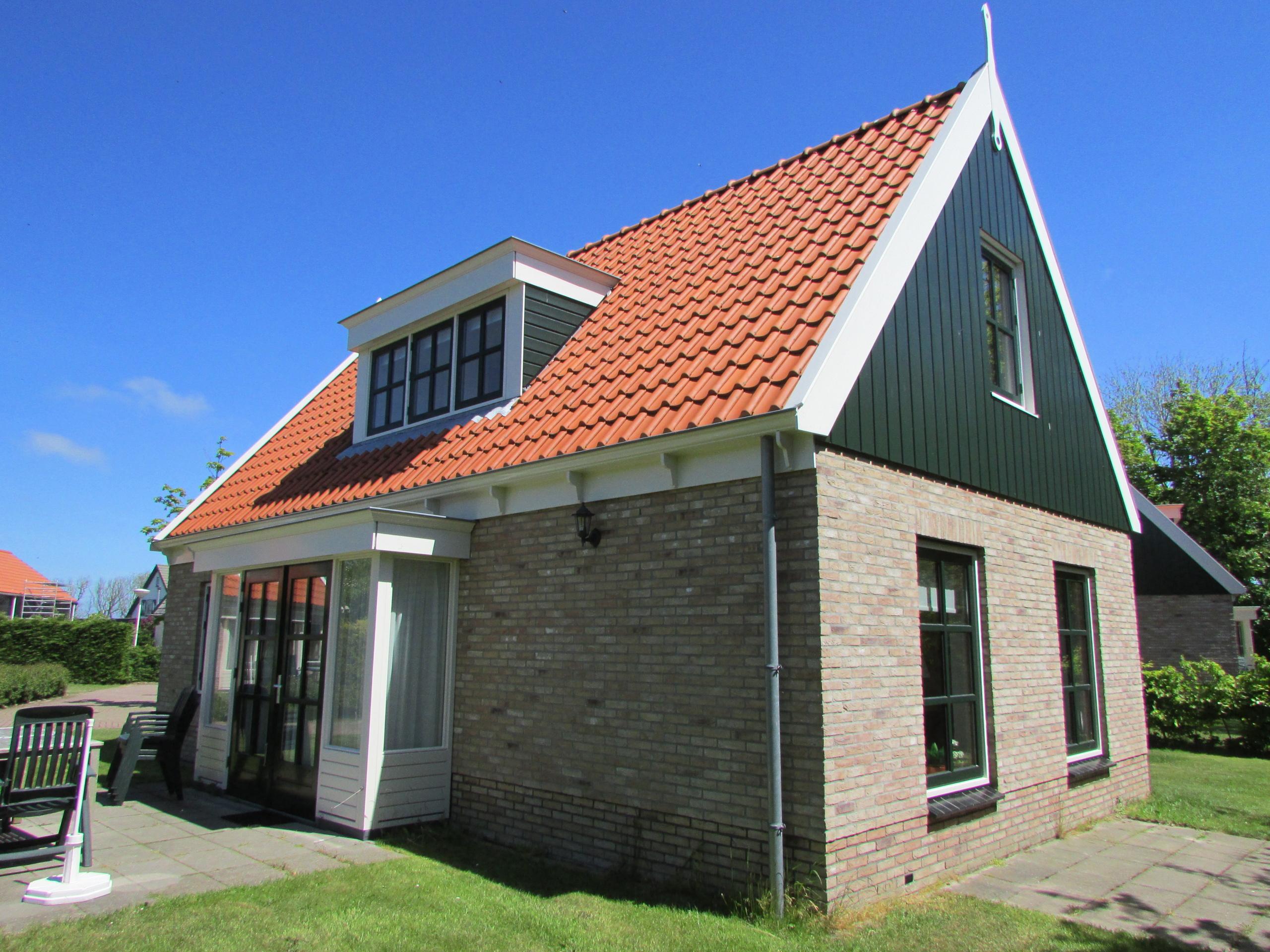 Freistehendes Ferienhaus auf Bungalowpark am Wattenmeer