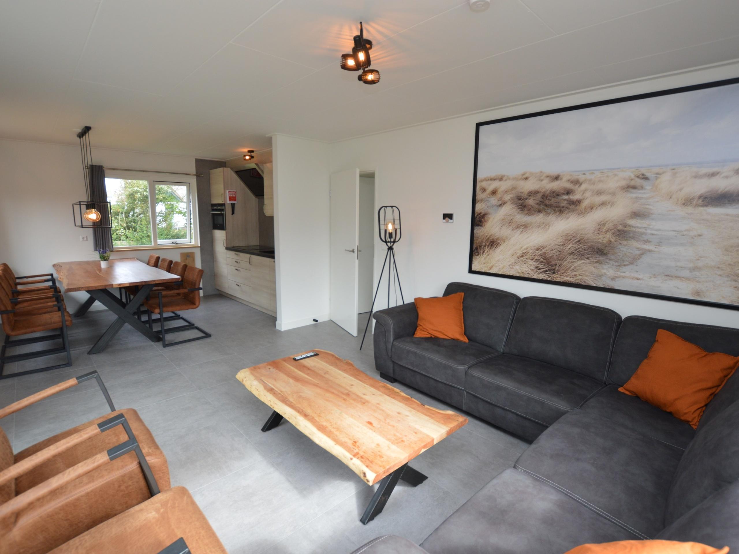 Ruim, onlangs gerenoveerd, familiehuis in De Koog, op loopafstand van het centrum, strand en de duinen.