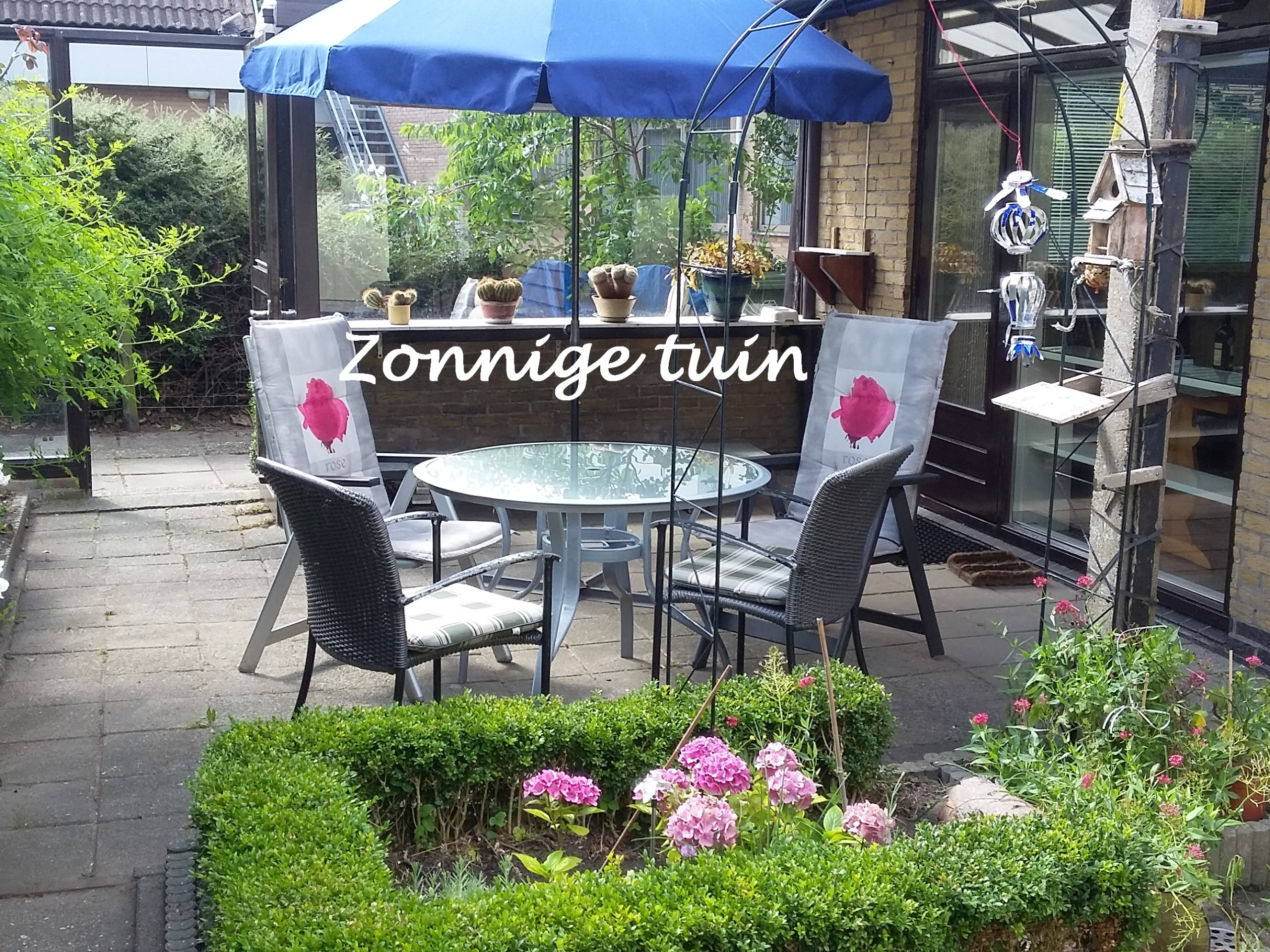 Enjoy the fullest in charming holiday home with sunny garden in Den Burg