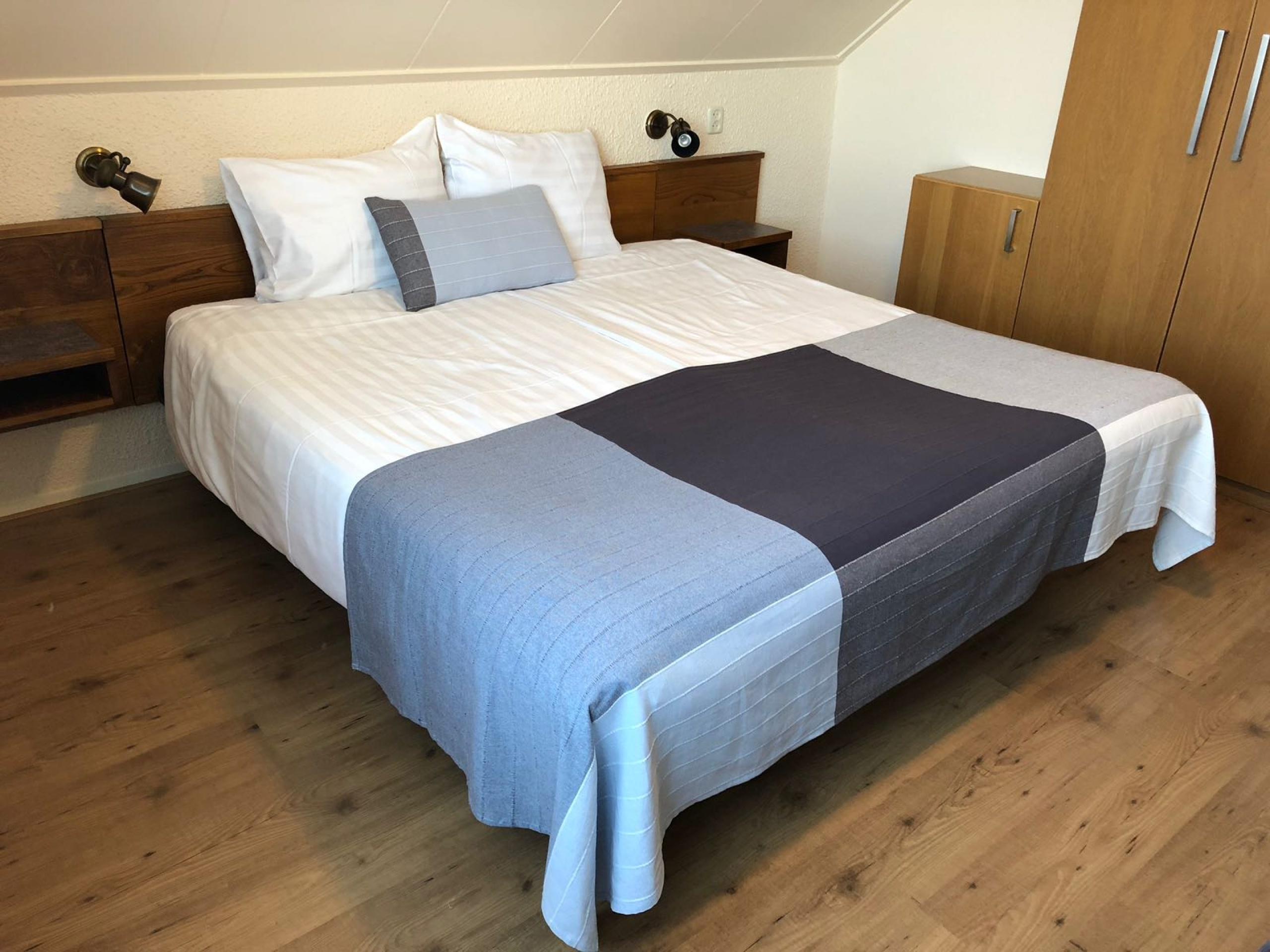 Comfortabele hotelkamer in sfeervol hotel vlakbij zee in De Koog