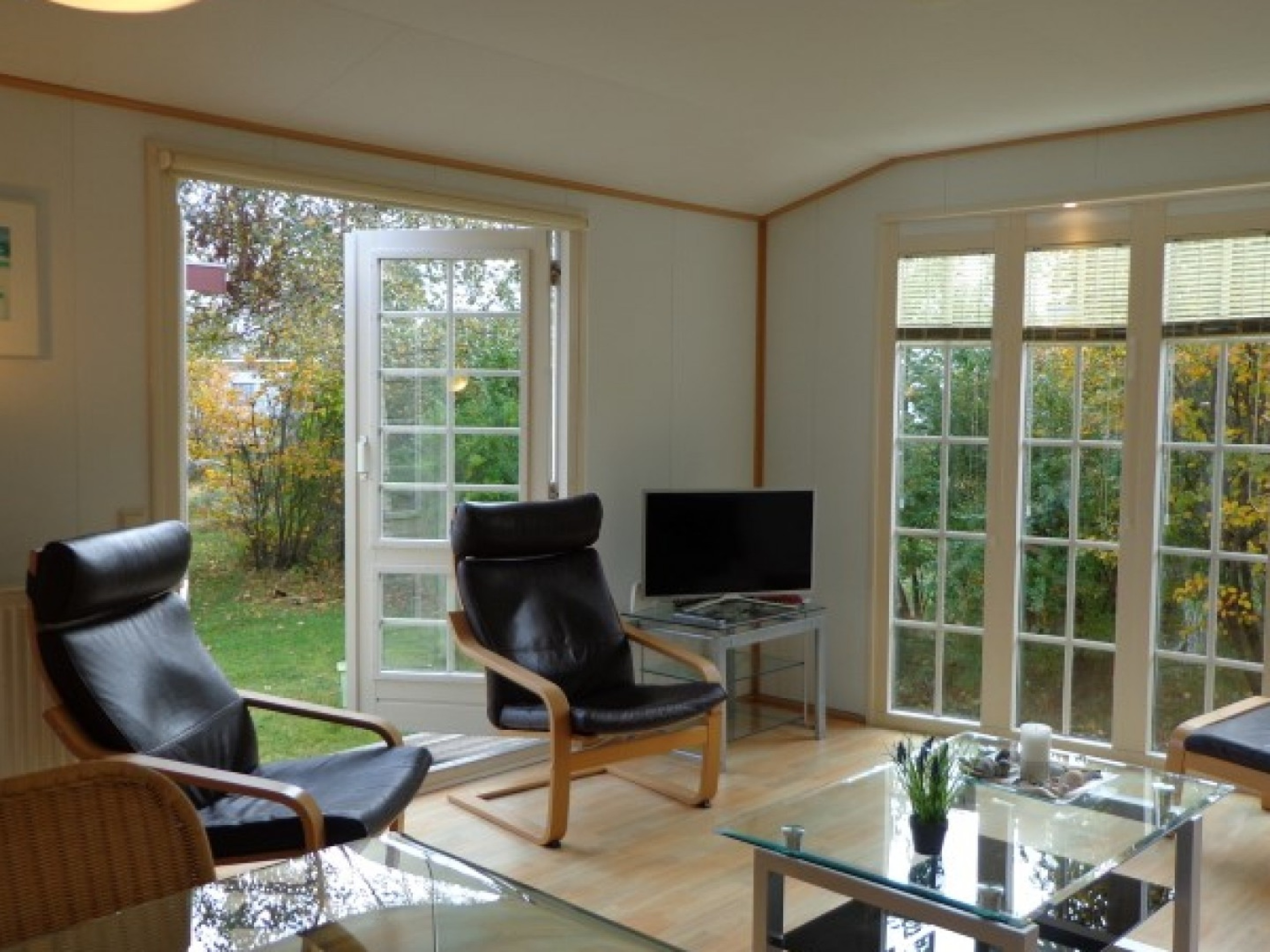 Detached chalet in a park 3 km from the beach