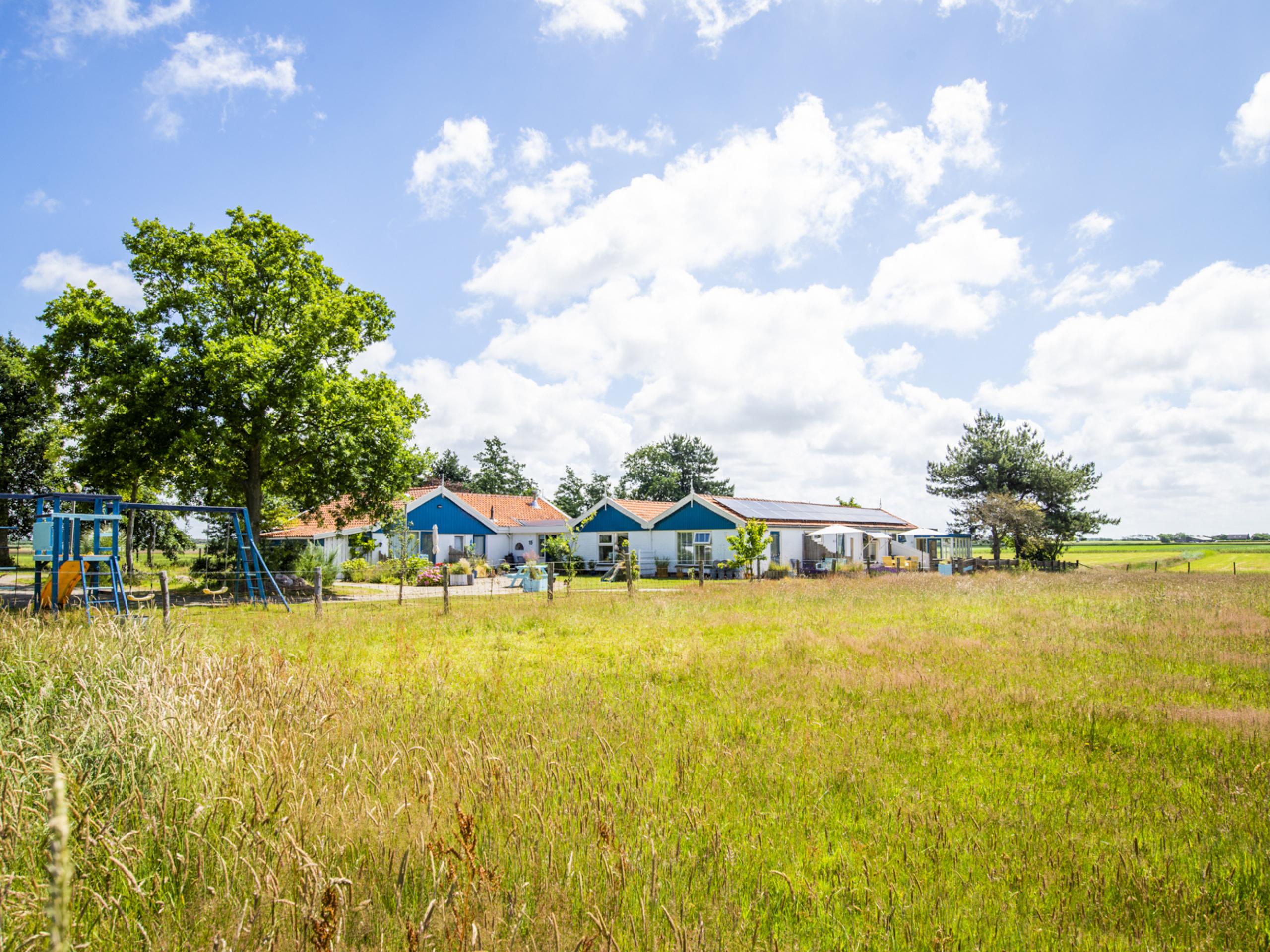 Geschakelde vakantiewoning gelegen aan de rand van het Dennenbos met uitzicht over de weilanden