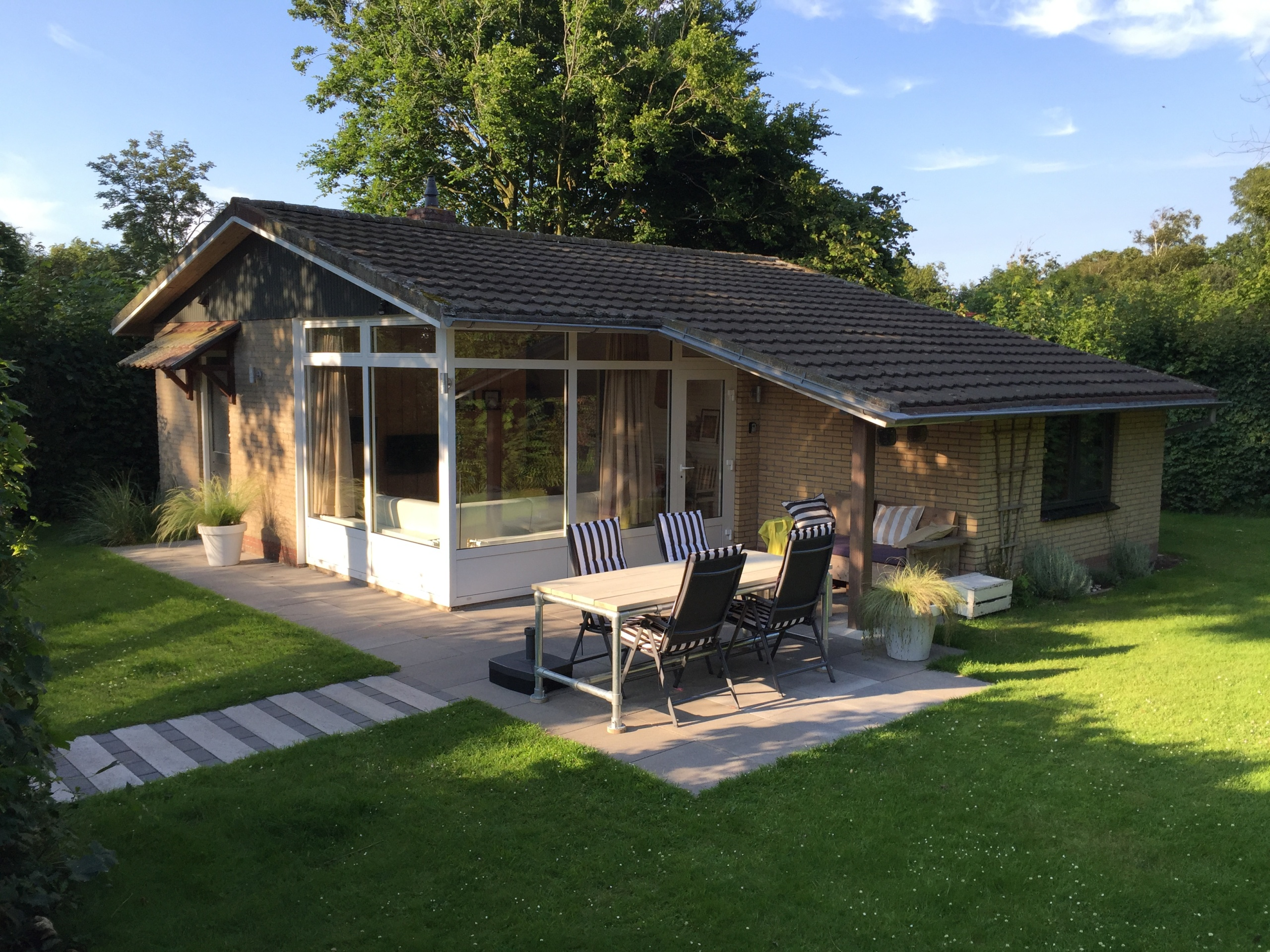 Sfeervol vakantiehuis met heerlijke tuin aan de rand van Oosterend
