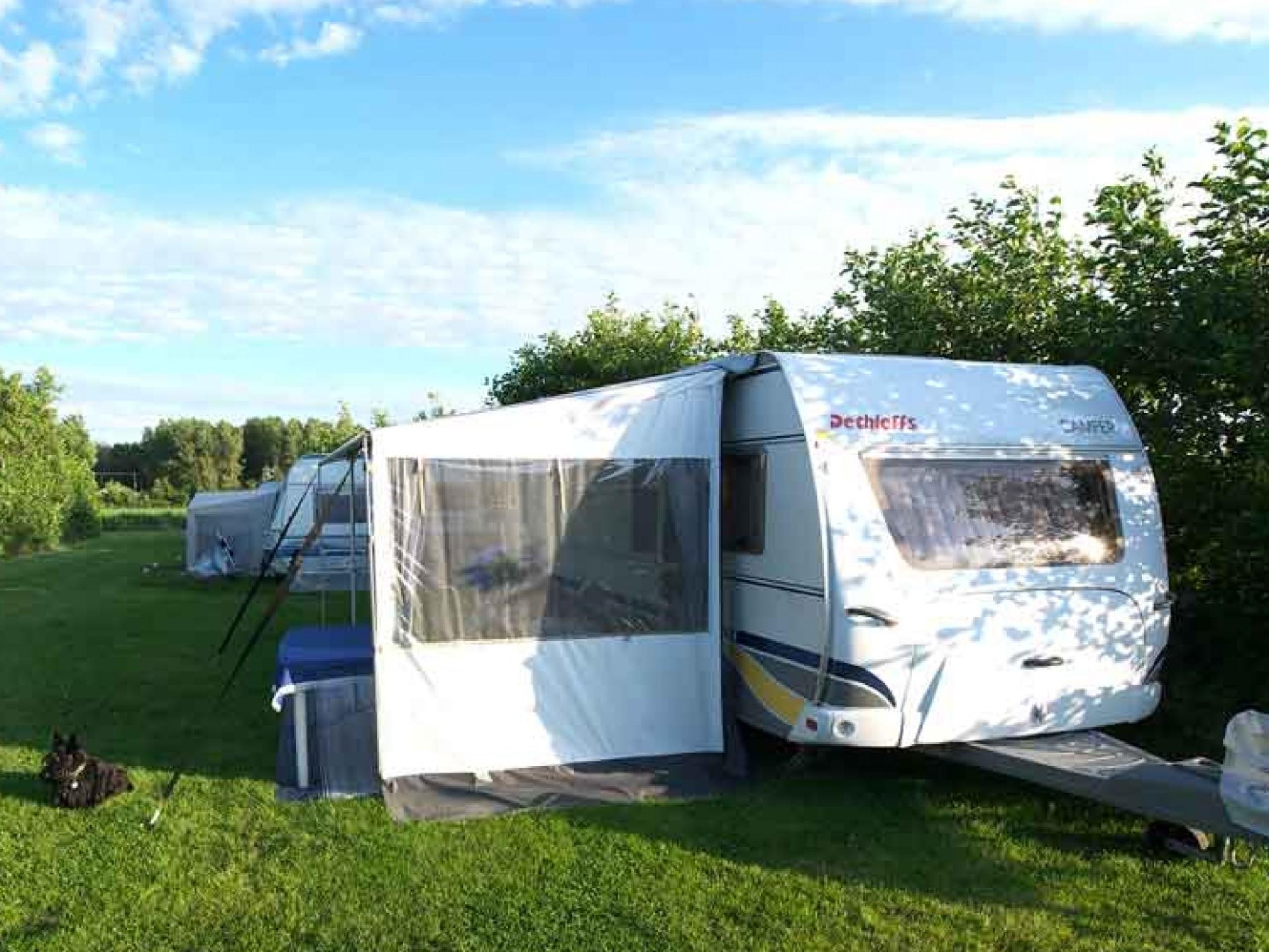 Camping op korte afstand van de Wadden- en de Noordzee
