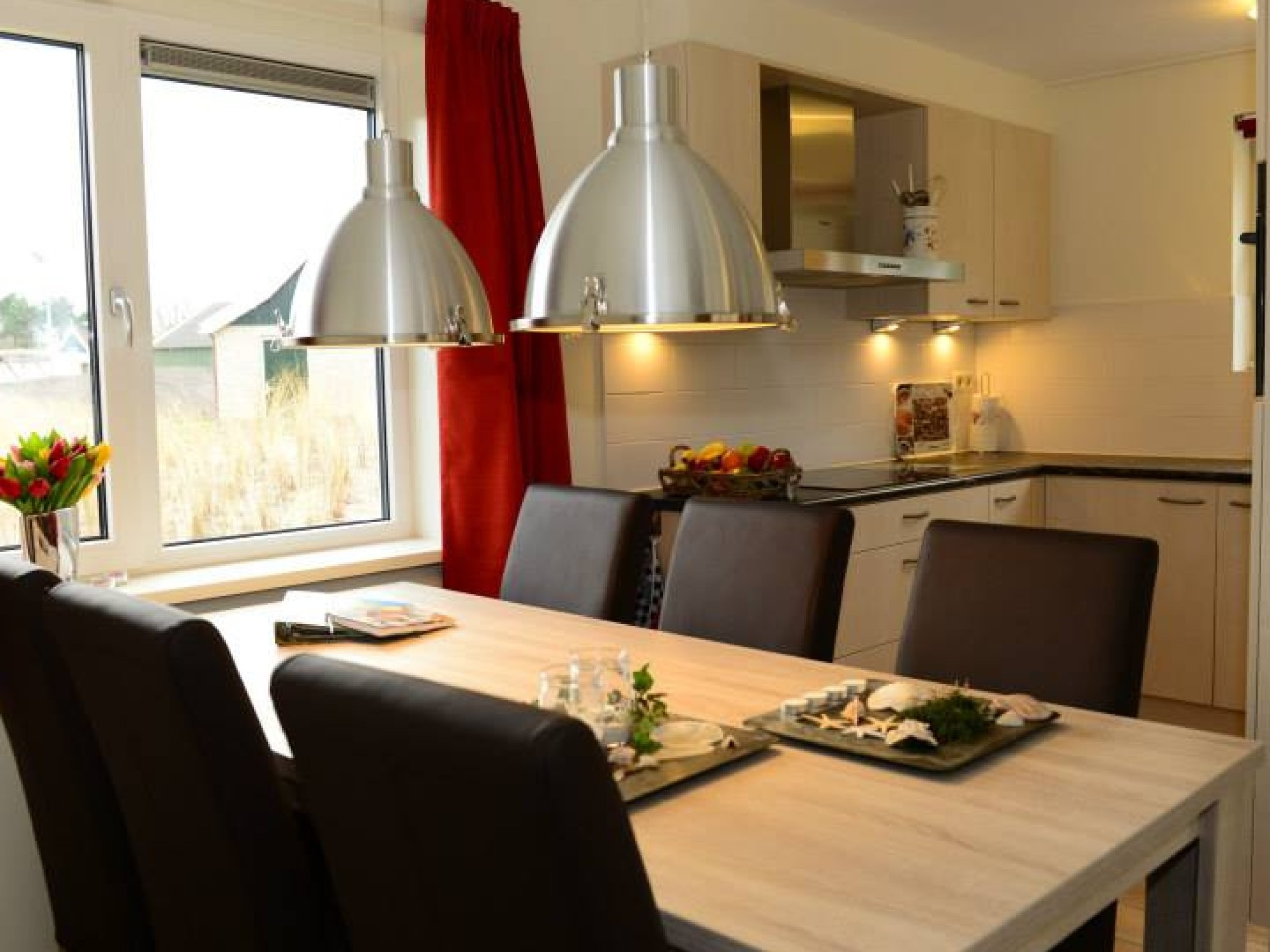 Relax in style at this luxury detached holiday home near De Koog