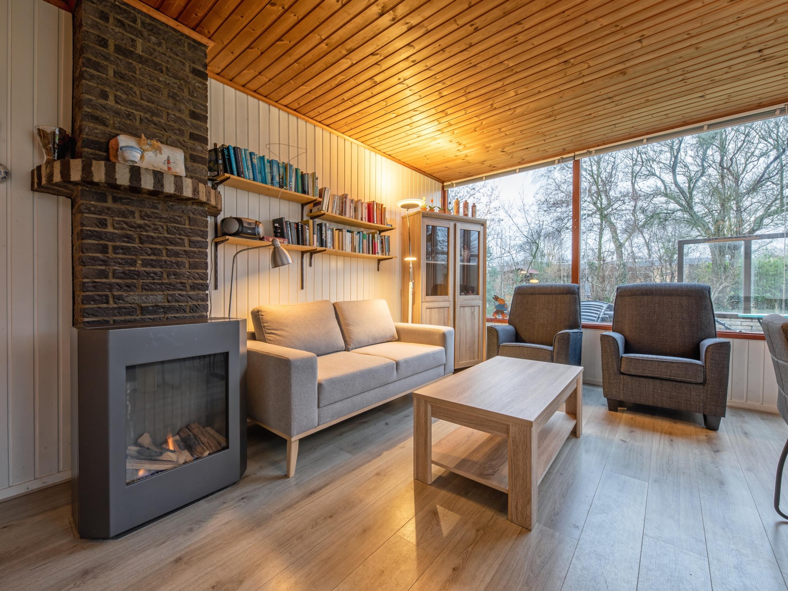 Ruhig gelegenes Ferienhaus in Strandnähe im Wald