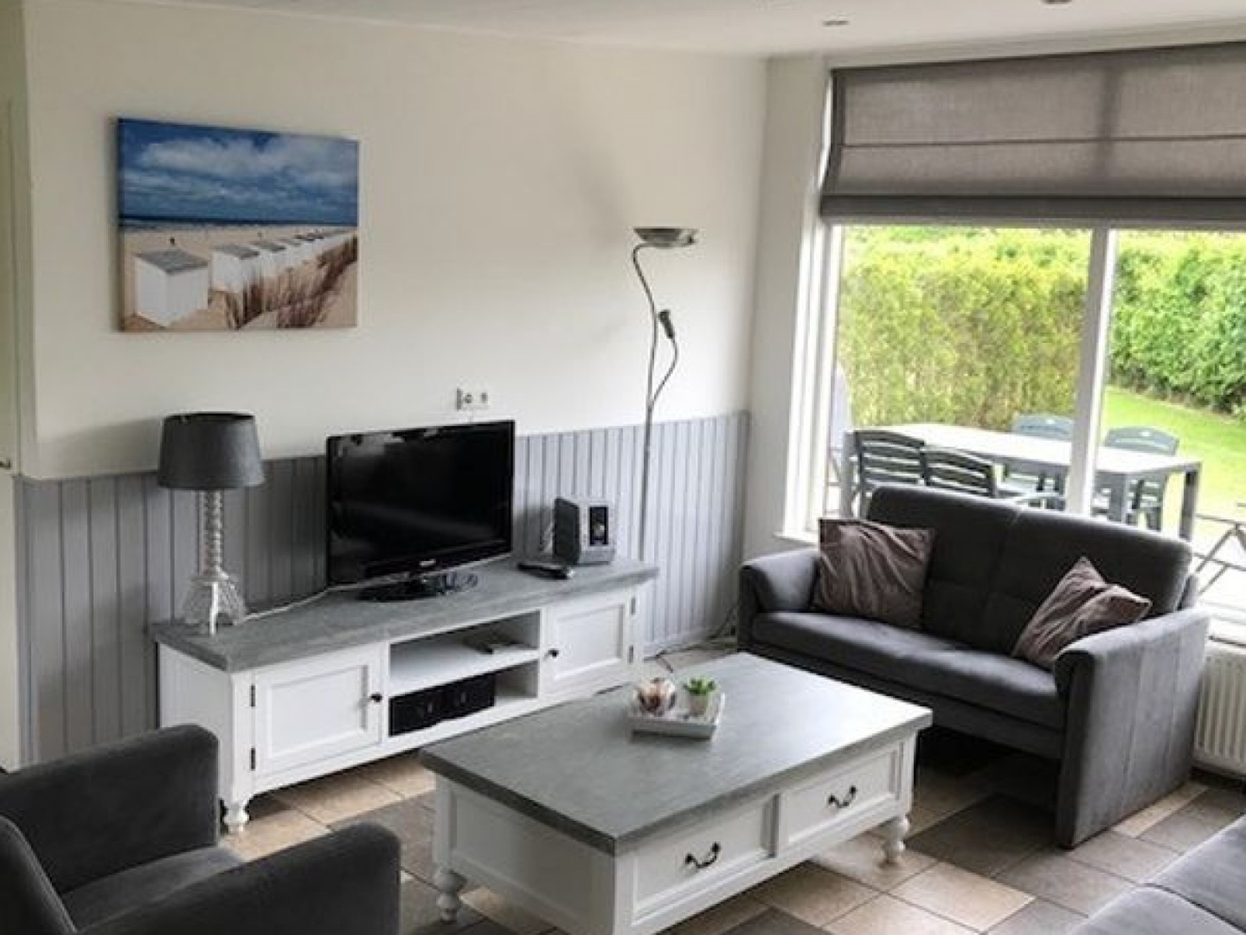 Detached holiday home near De Koog, woods and dunes