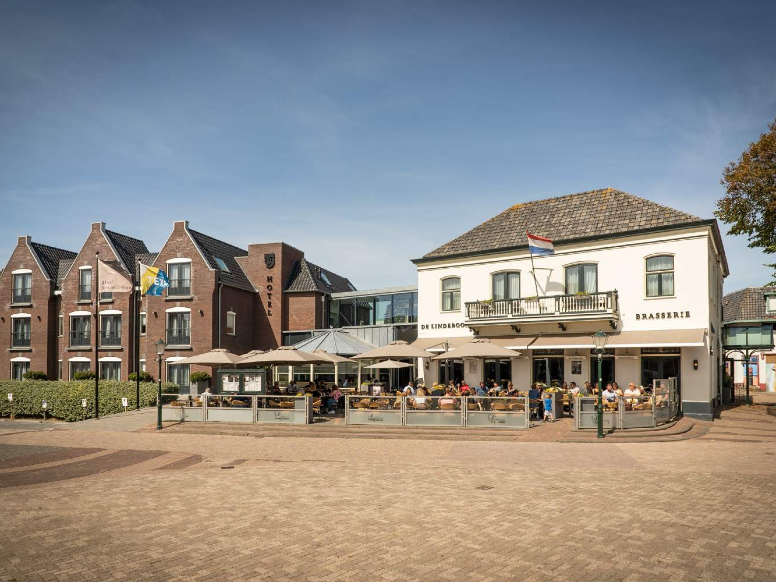 Enjoy in attractive modern hotel with great location in Den Burg