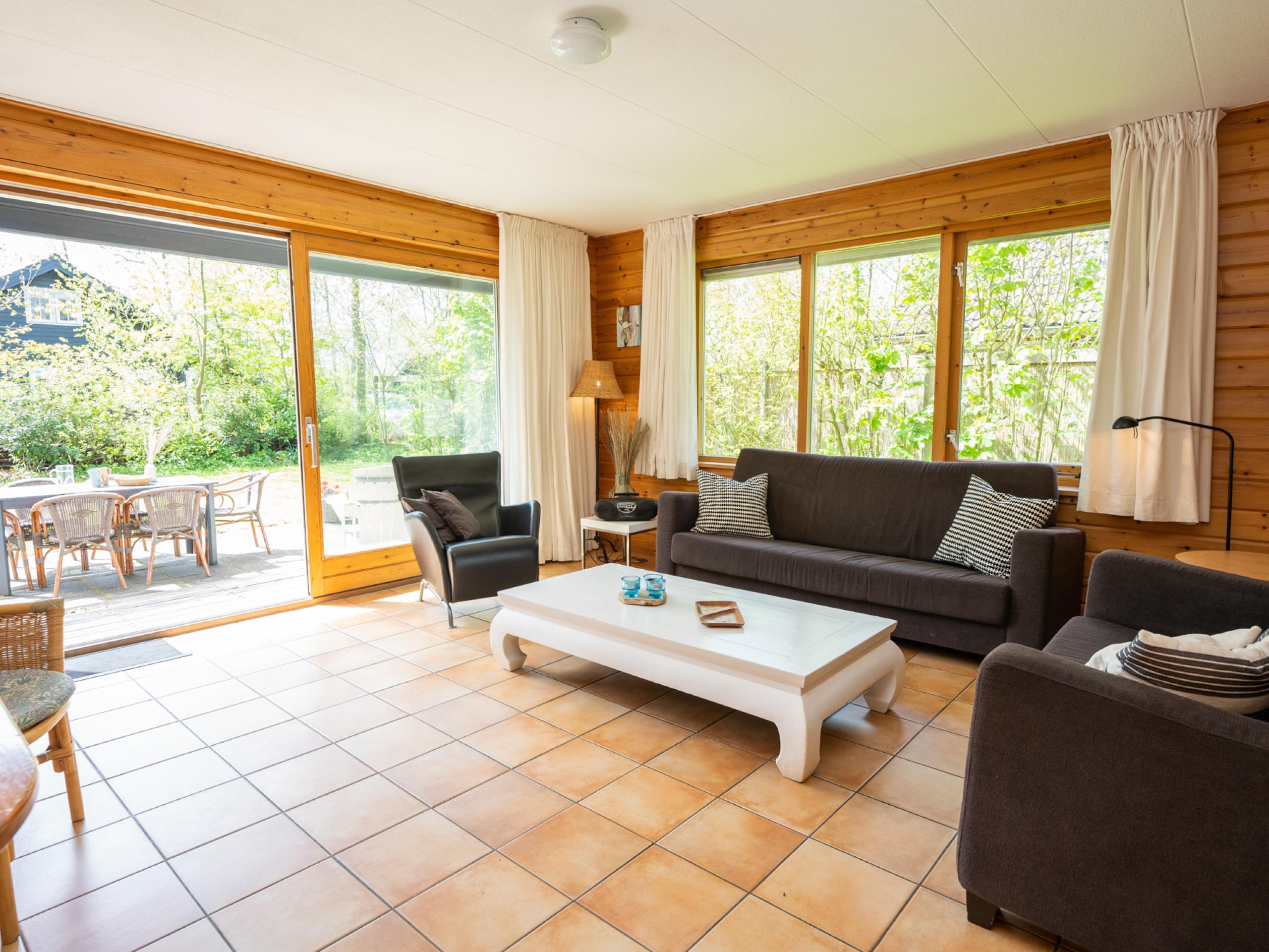 Attraktives Ferienhaus mit großem Garten und ruhiger Lage in der Nähe von De Koog