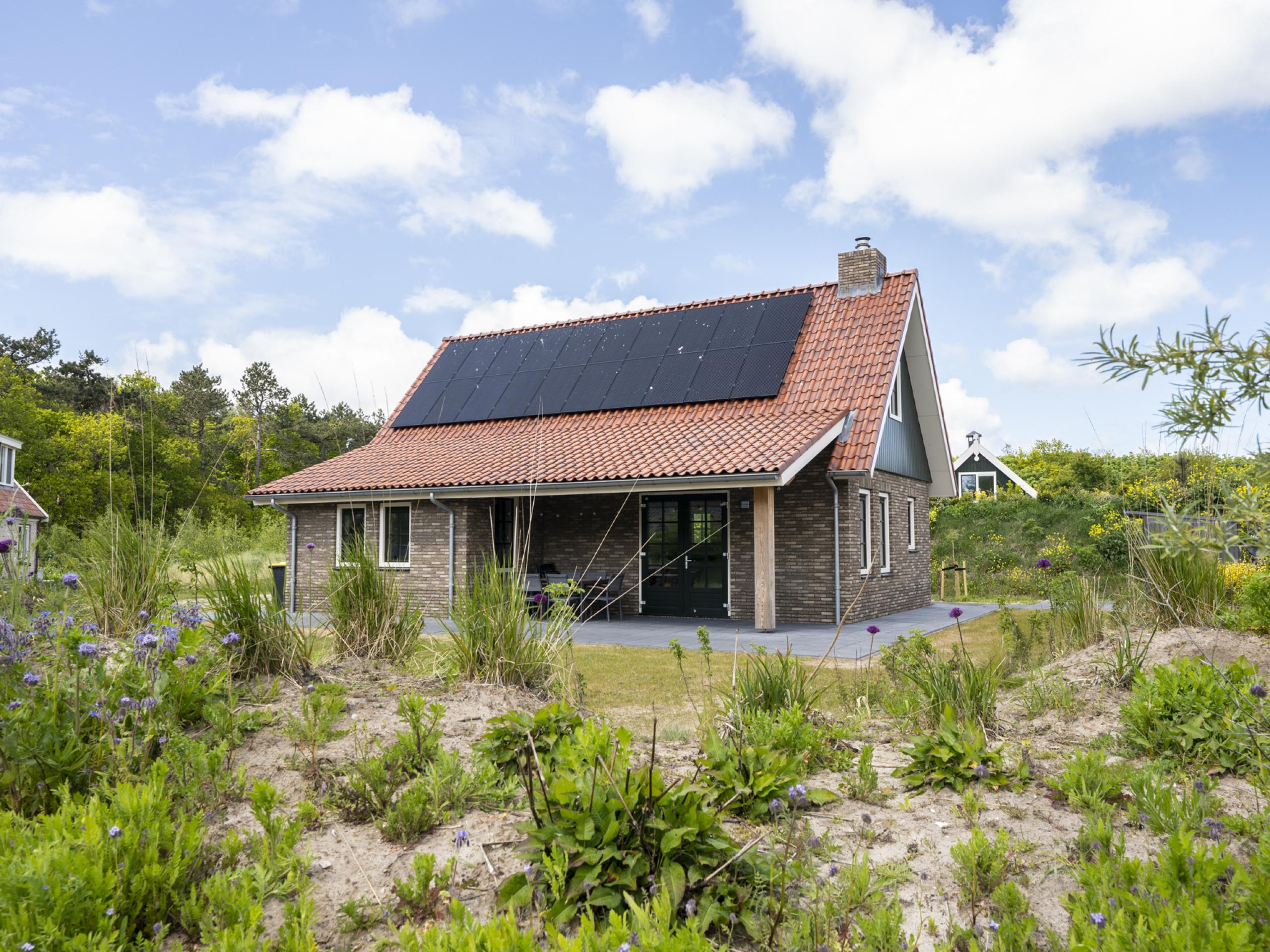 Riant vrijstaand huis aan de bosrand, 2,5 kilometer van het strand