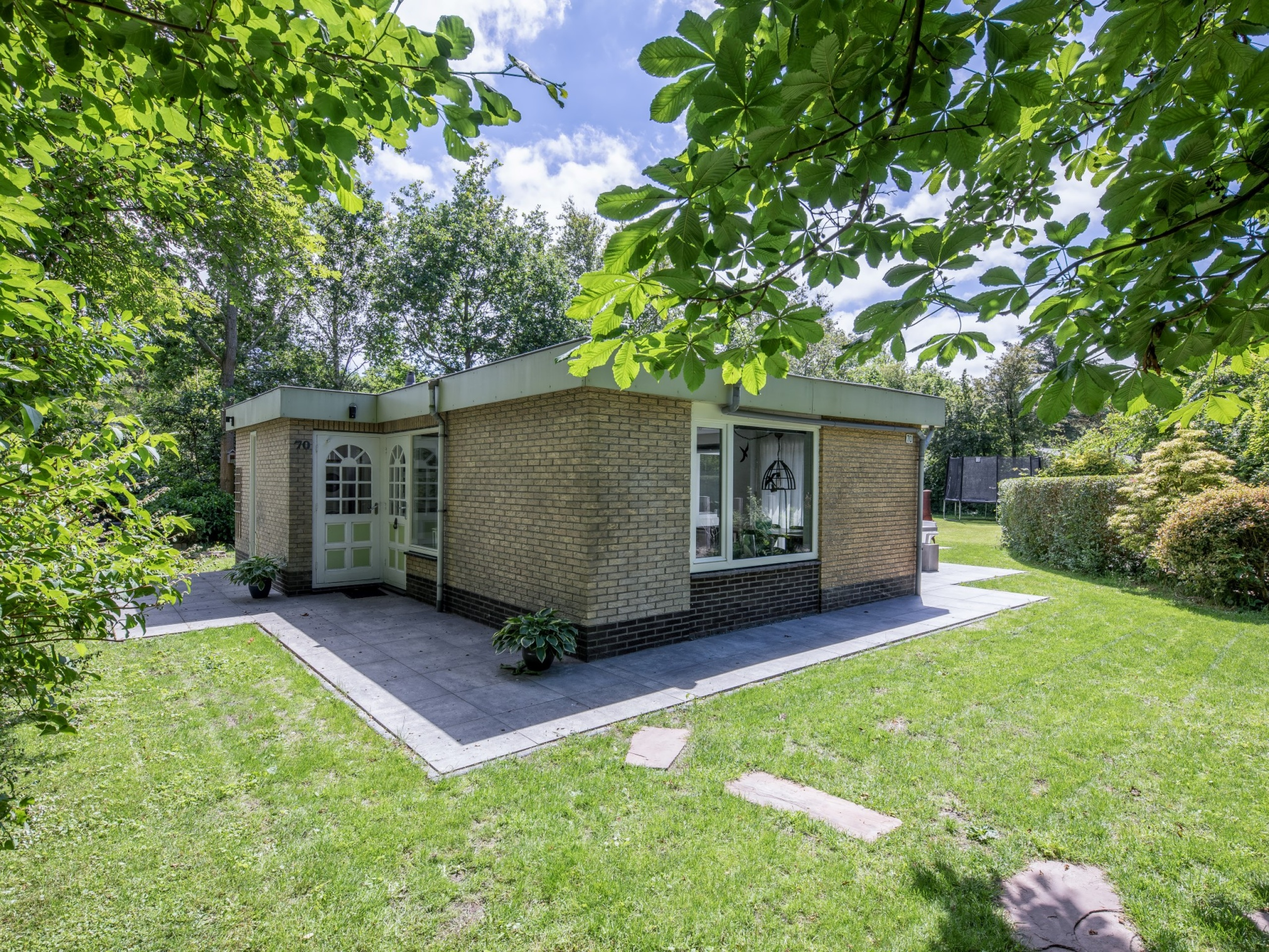 Beautiful detached bungalow with a lovely large garden.