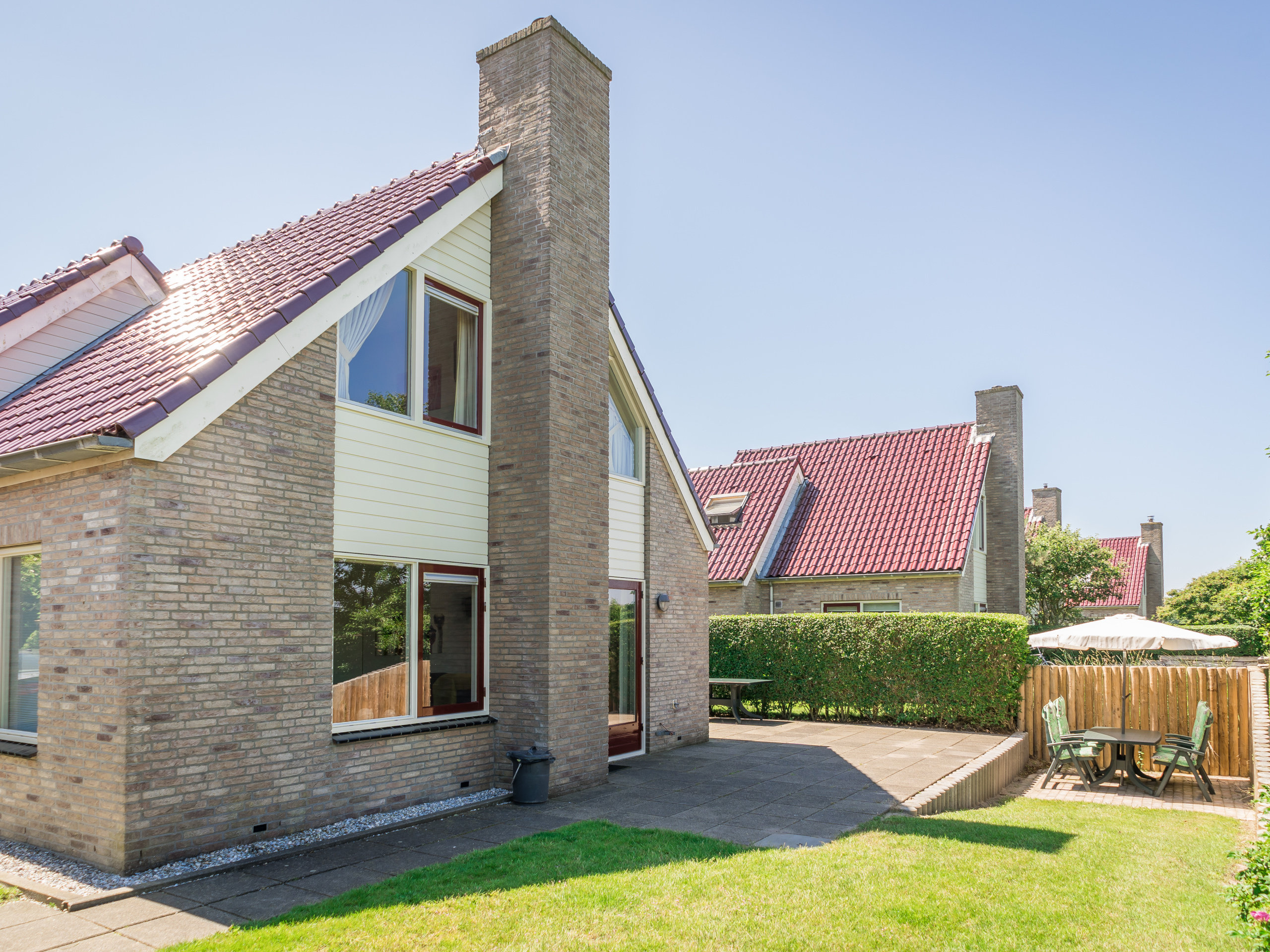 Luxury holiday home beautifully situated on the edge of the forest just outside De Koog