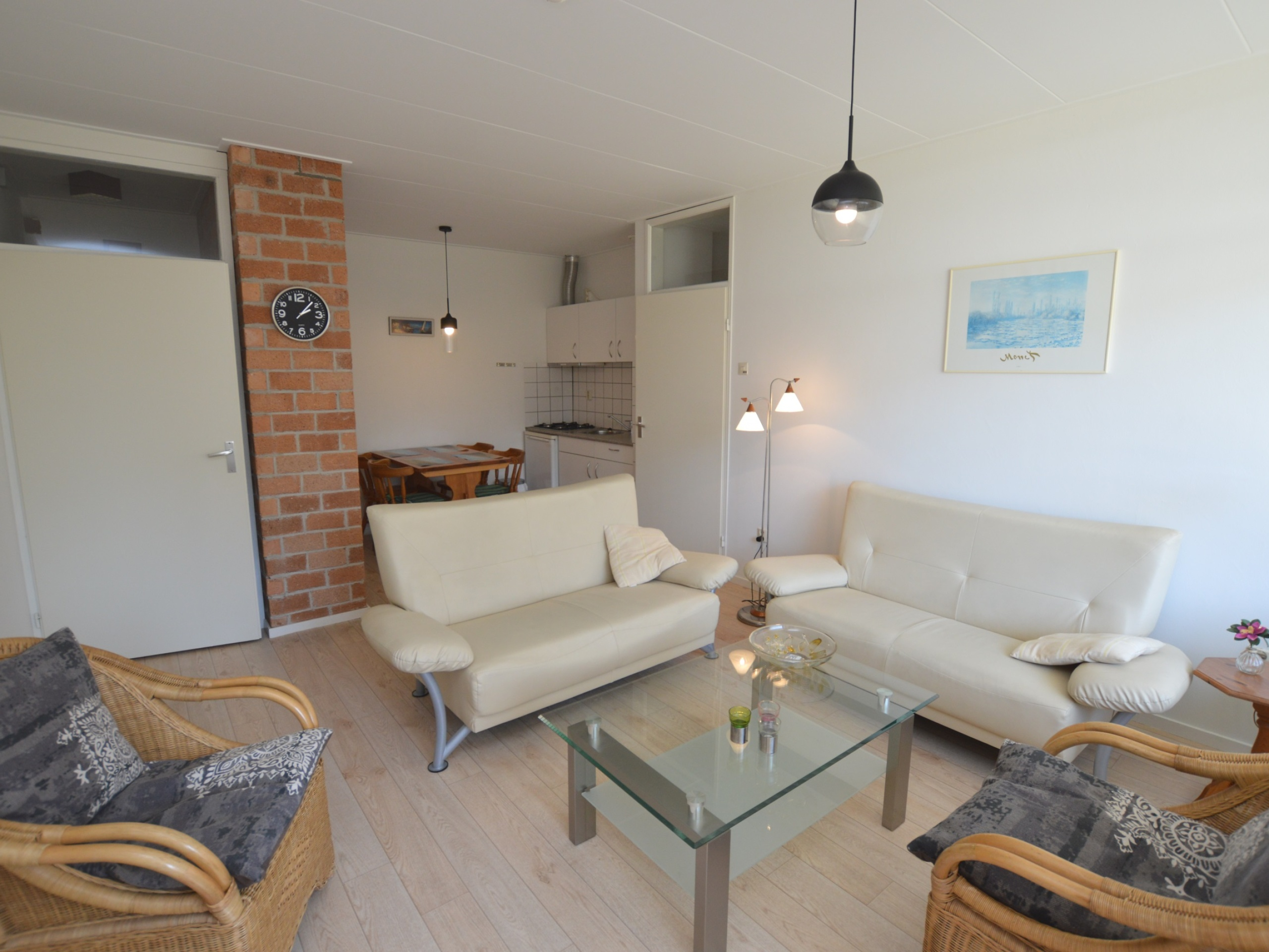 Bright apartment with balcony/nearby sandwich bar near De Koog