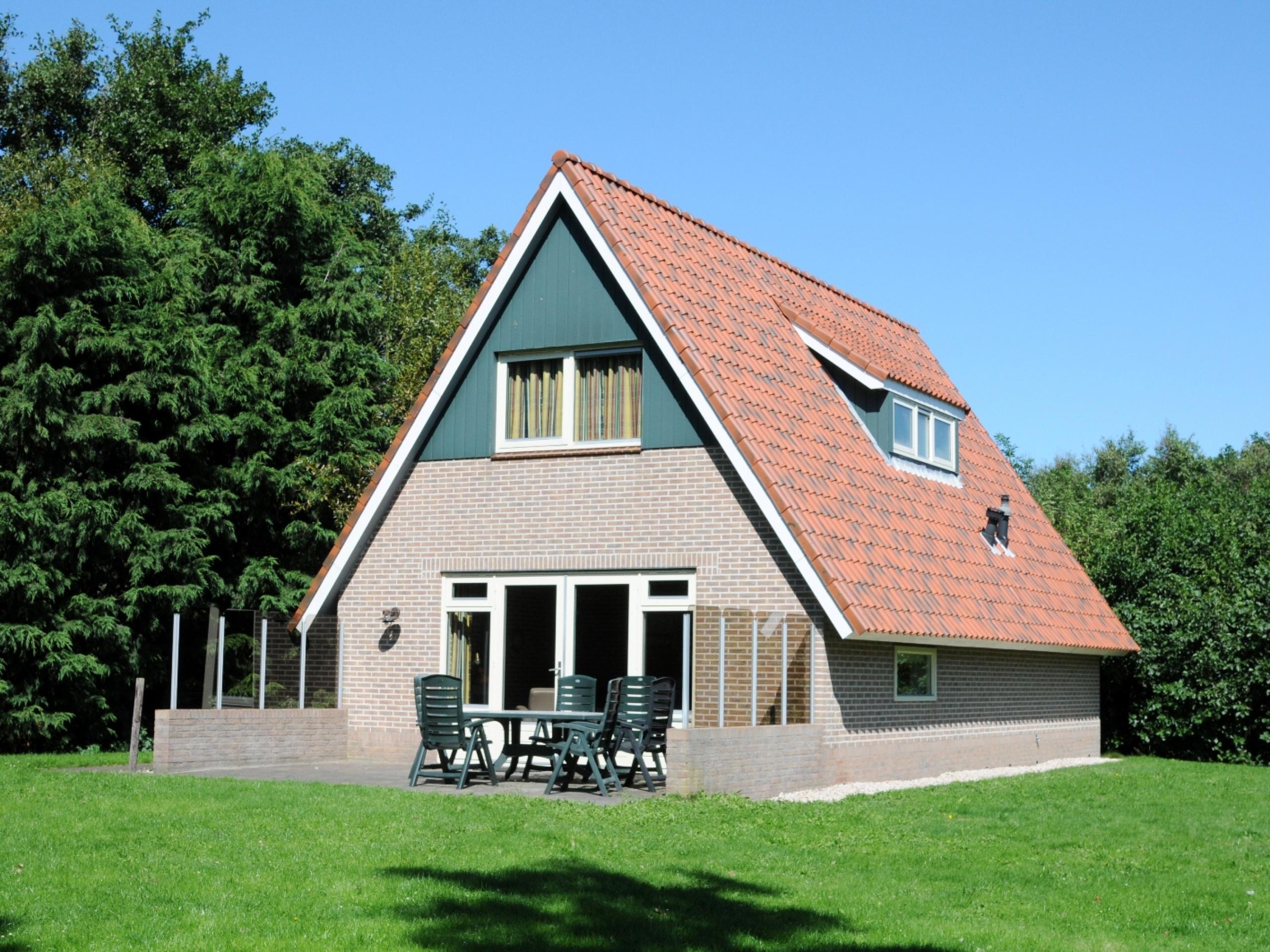 Komfortables großes Ferienhaus viel Privatsphäre am Rande De Koogs