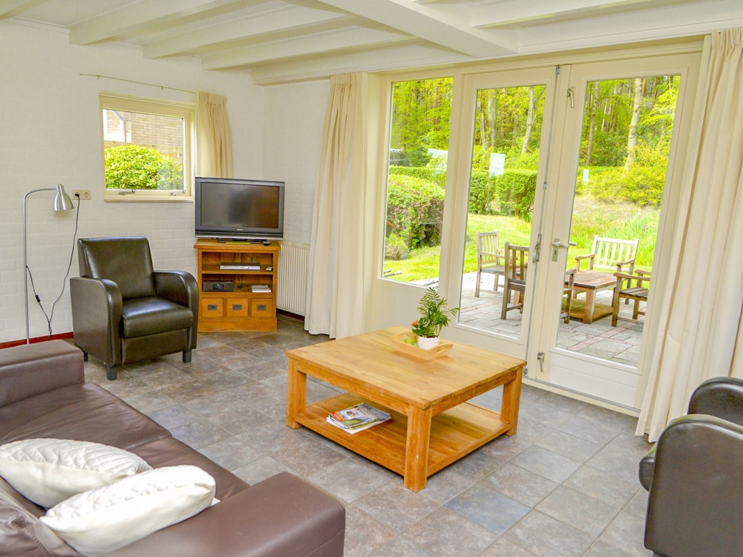 Comfortable holiday home near Den Hoorn with wide open views