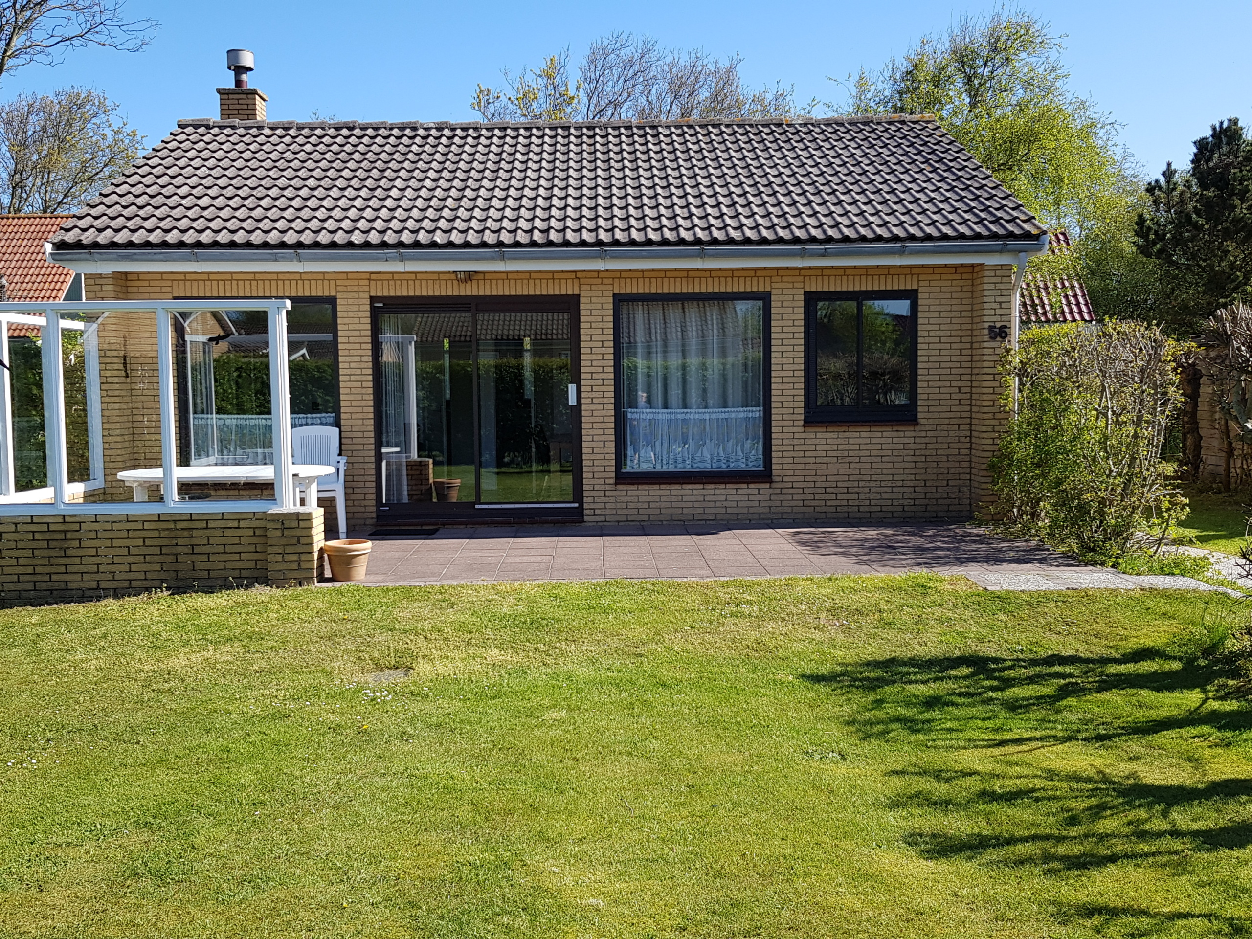 Pet-free holiday home with fireplace near De Cocksdorp and De Muy