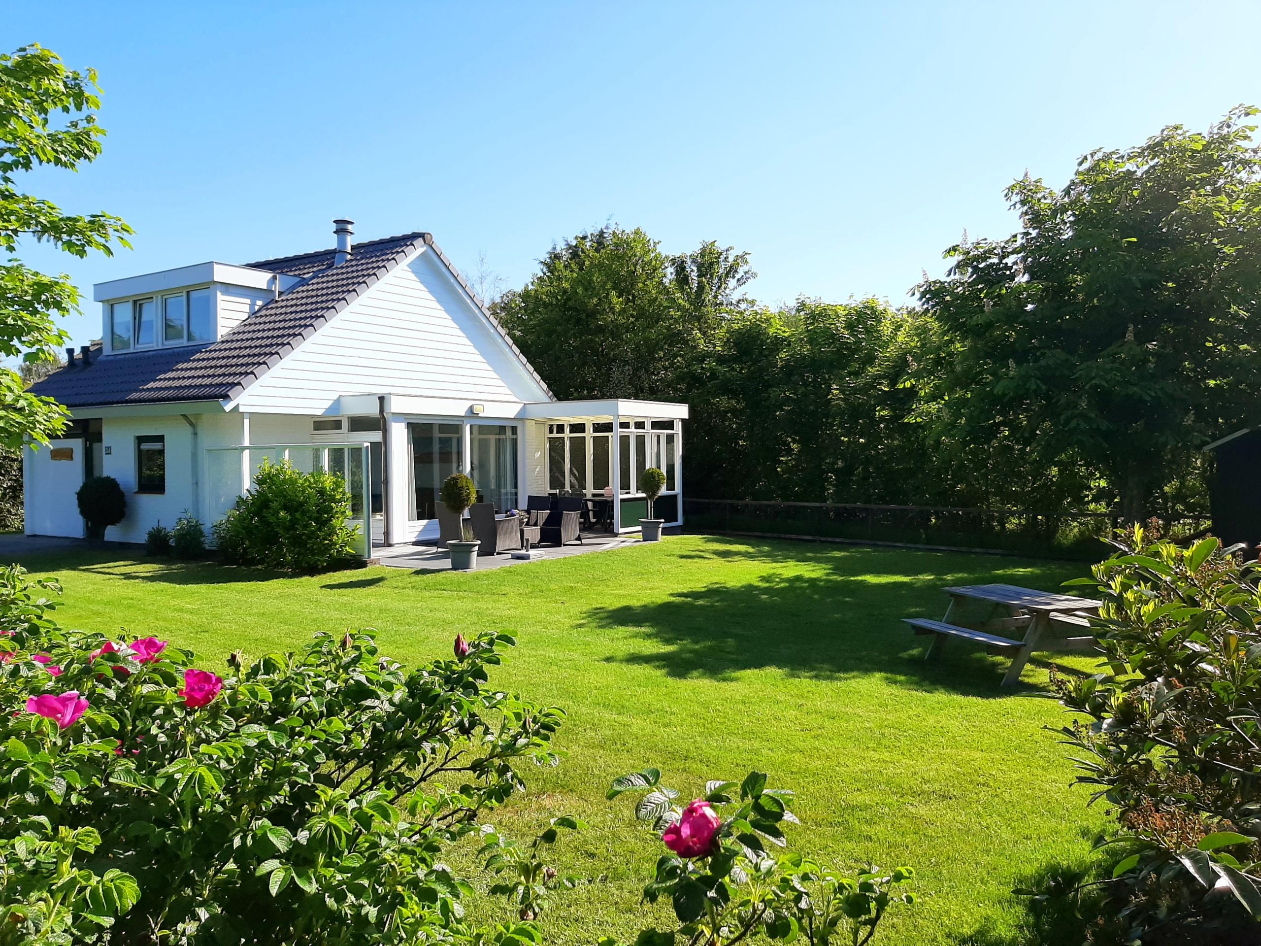 Genieten in comfortabel vakantiehuis met riante tuin in het Dennenbos