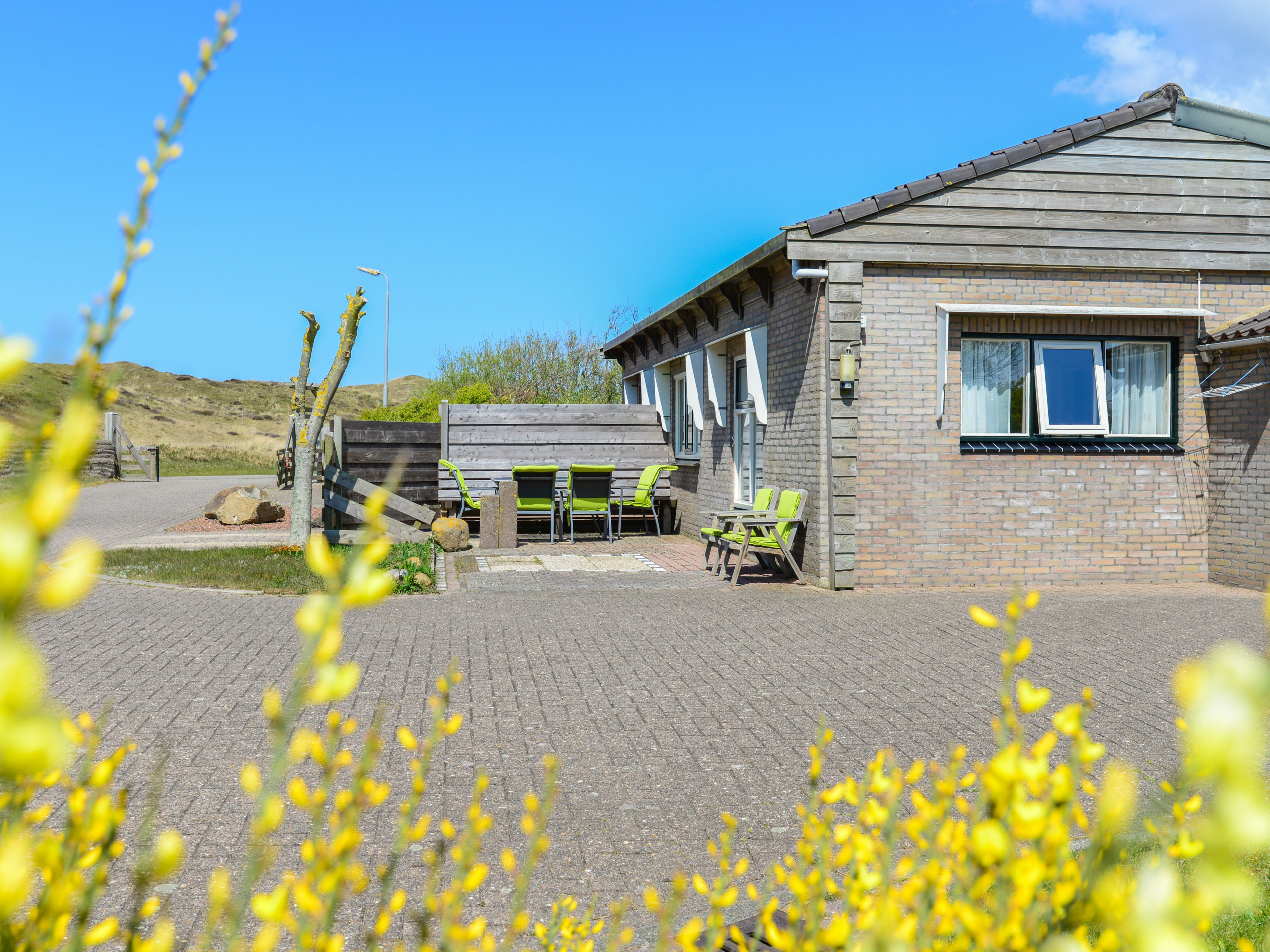 Holiday home at the foot of the dunes near Den Hoorn