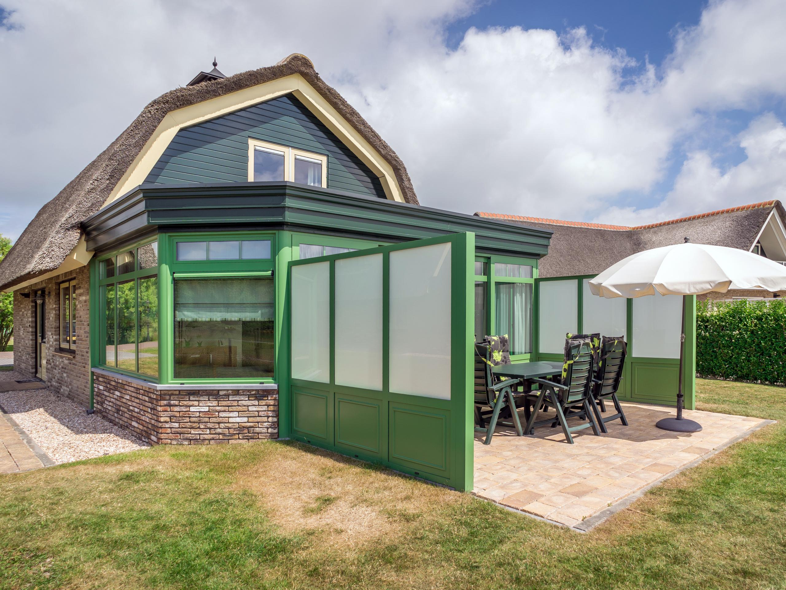 Luxe stijlvolle villa op loopafstand van de Waddenzee vlakbij De Cocksdorp