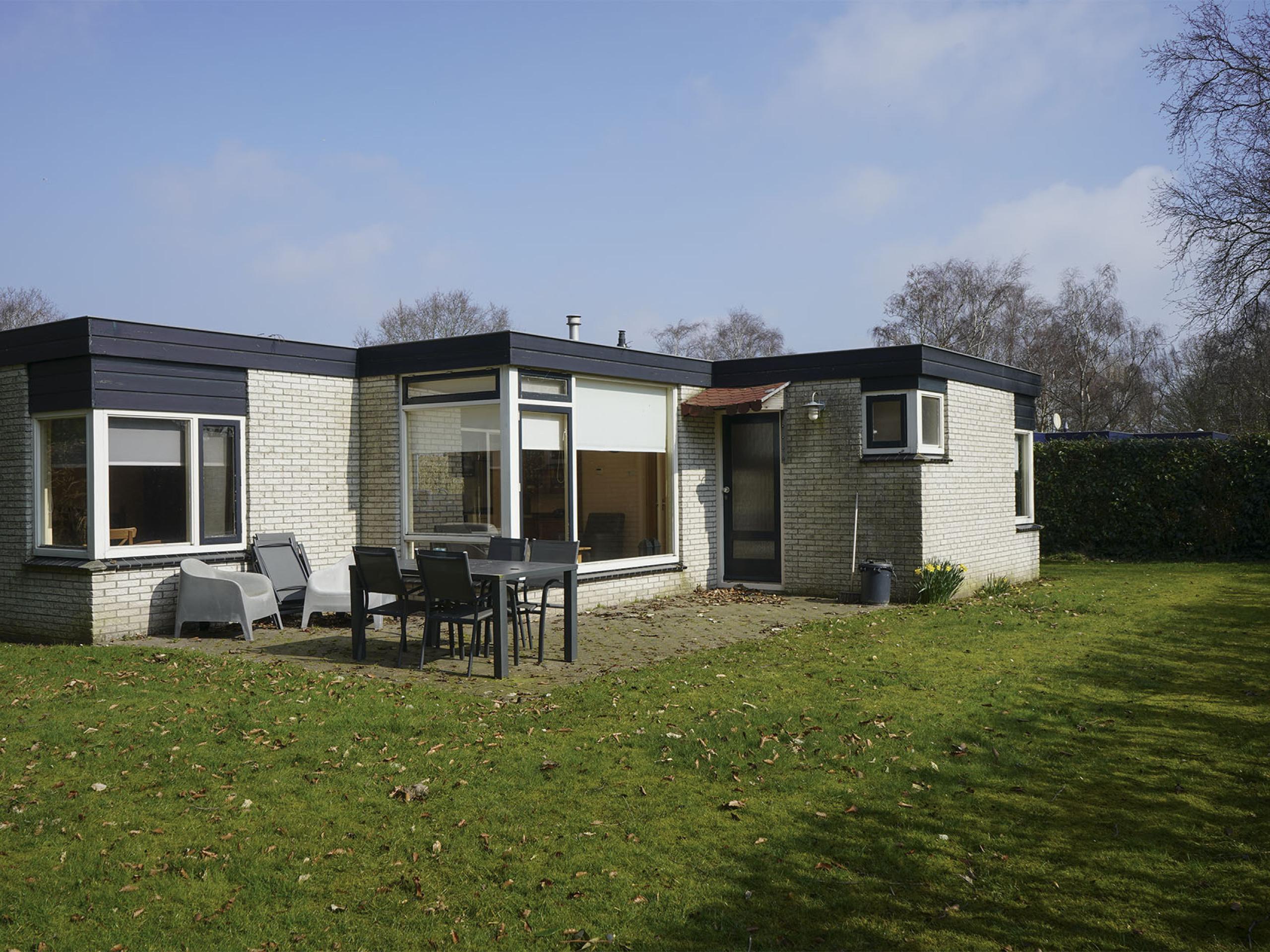 Freistehender Bungalow für diejenigen, die Ruhe in einem kleinen Park etwas außerhalb von Oosterend suchen