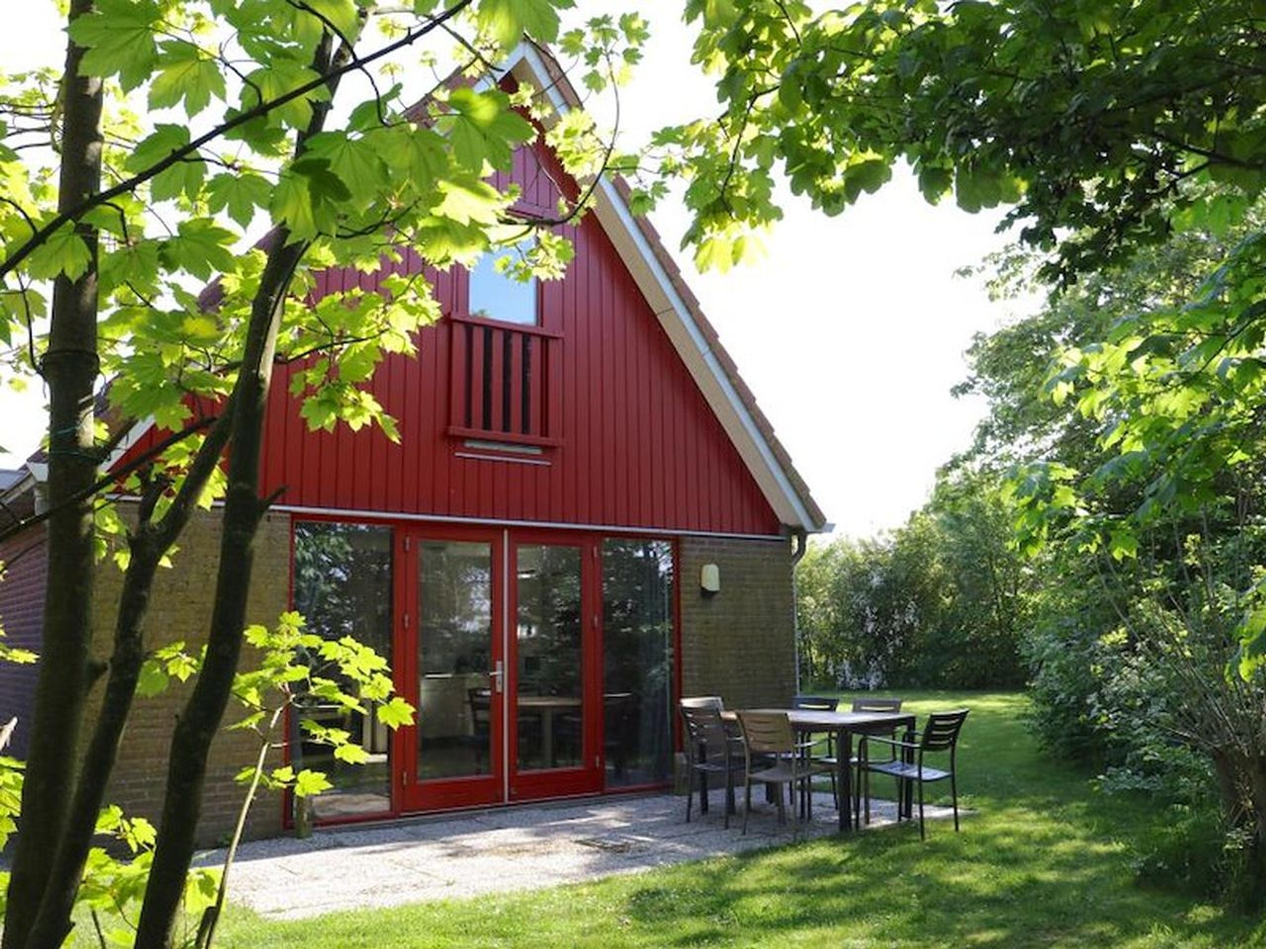 Vrijstaande vakantiehuis aan de Waddenzee en natuurgebied Utopia