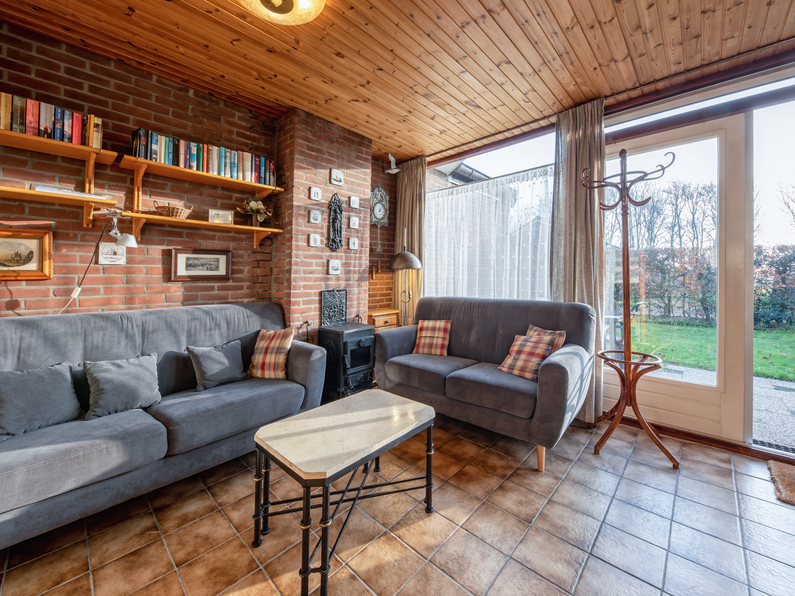 Pet-free holiday home near De Slufter and polders