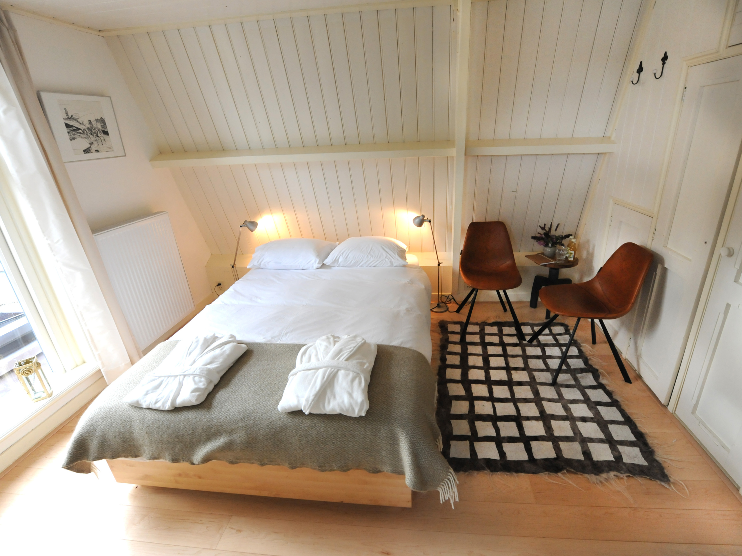 Atmospheric B&B with luxurious breakfast, quietly located in Den Burg