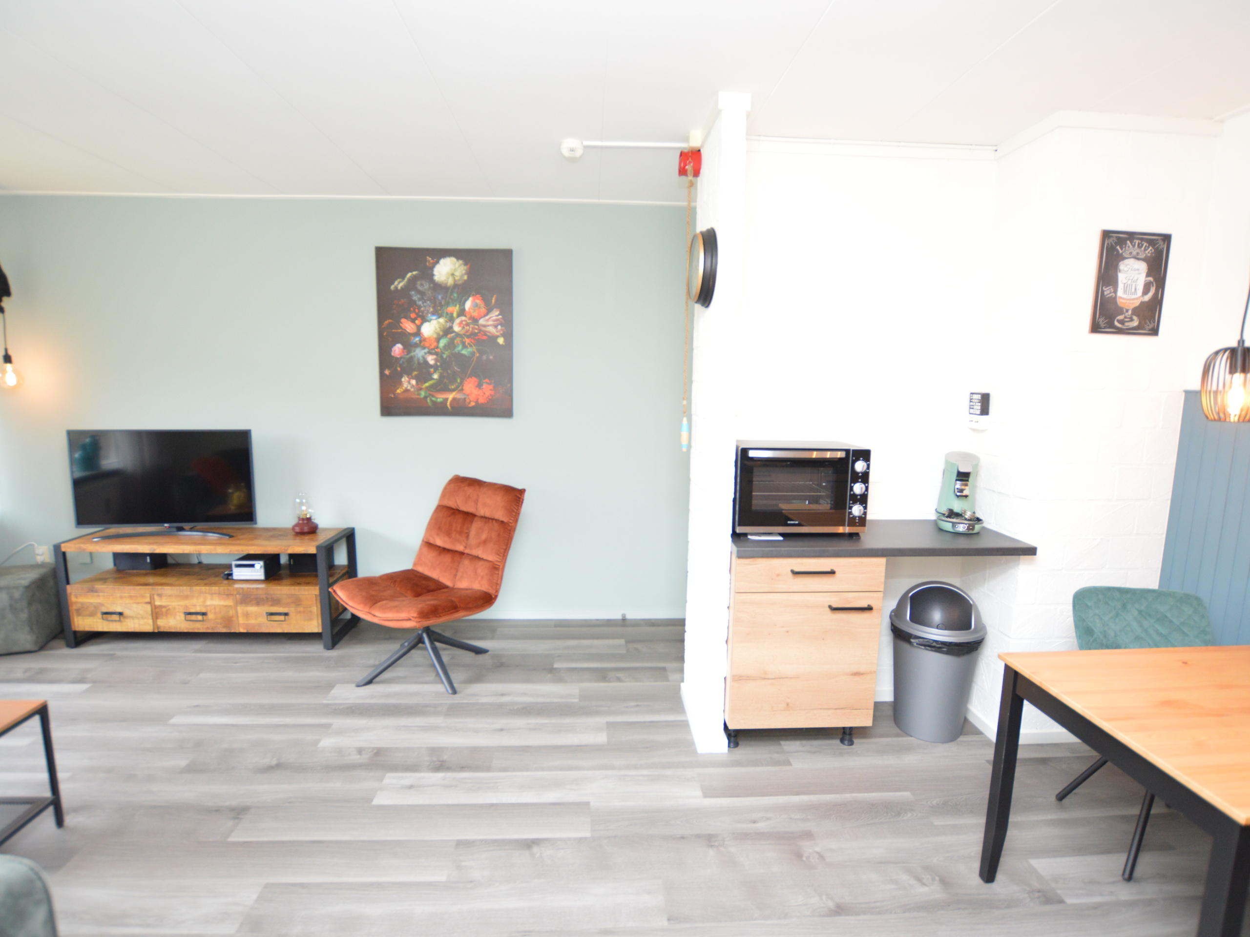 Completely furnished and renovated apartment on the ground floor on the sunny side of the small-scale complex 't Kerckeland.