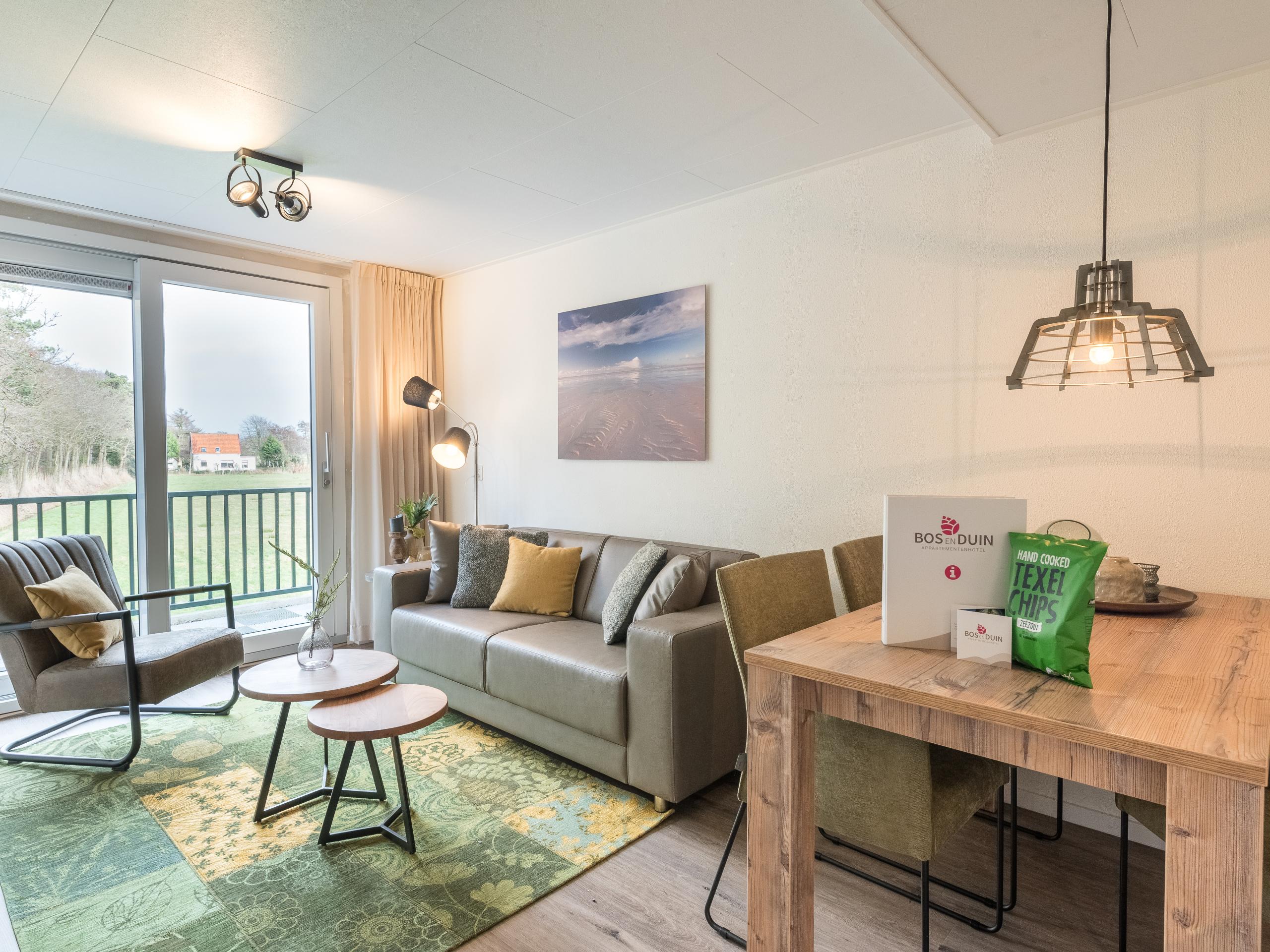 Appartement aan de rand van duingebied niet ver van Den Burg en strand