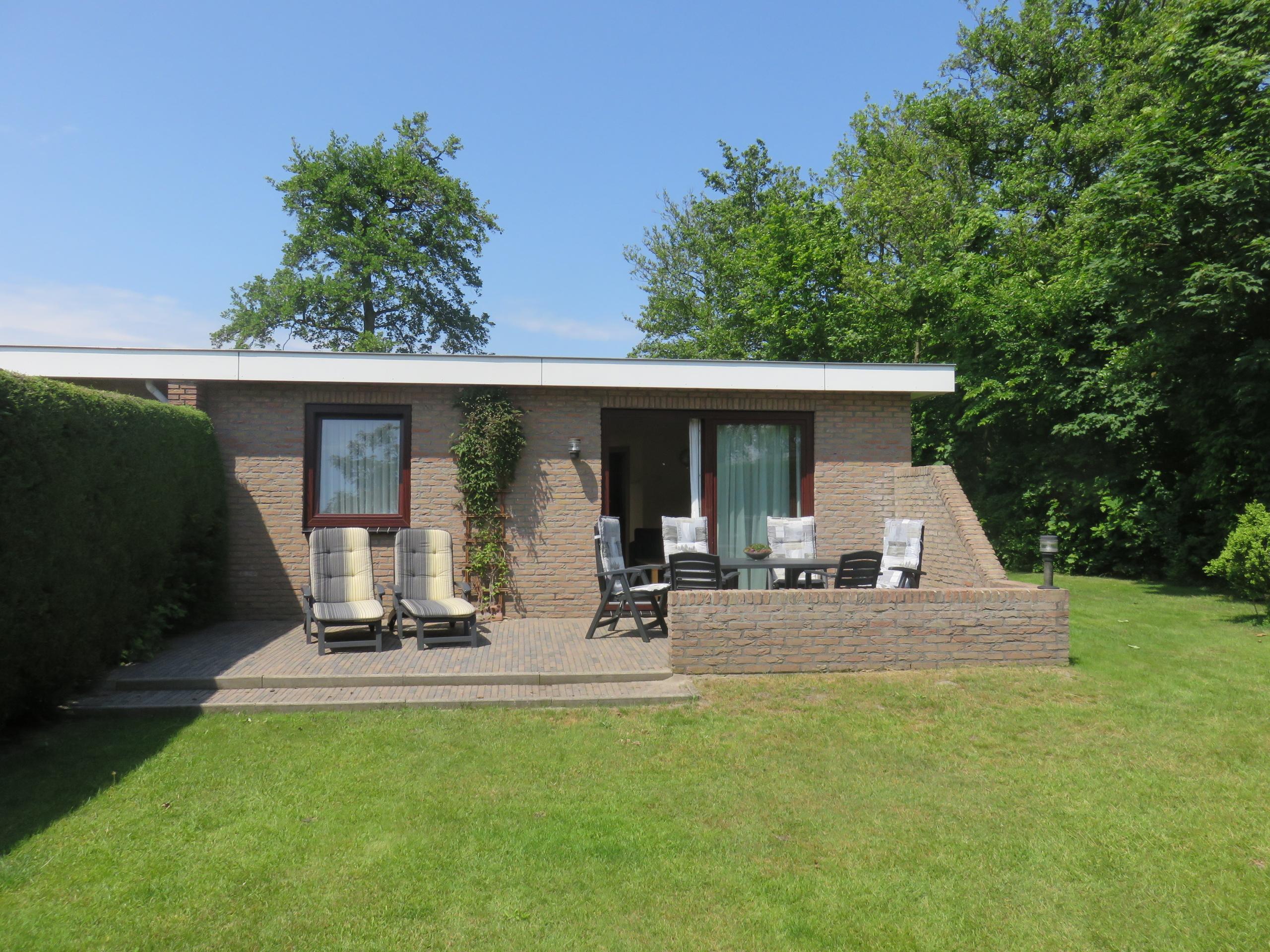 Zur Ruhe kommen in Ferienhaus mit sonnigem Garten beim Wald De Dennen