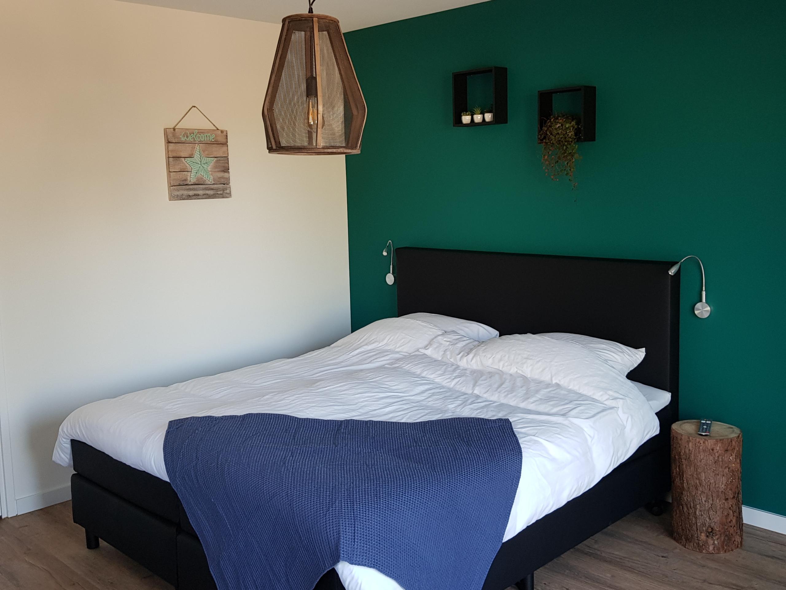 Comfortabele kamer met eigen terras in sfeervolle B&B in De Koog