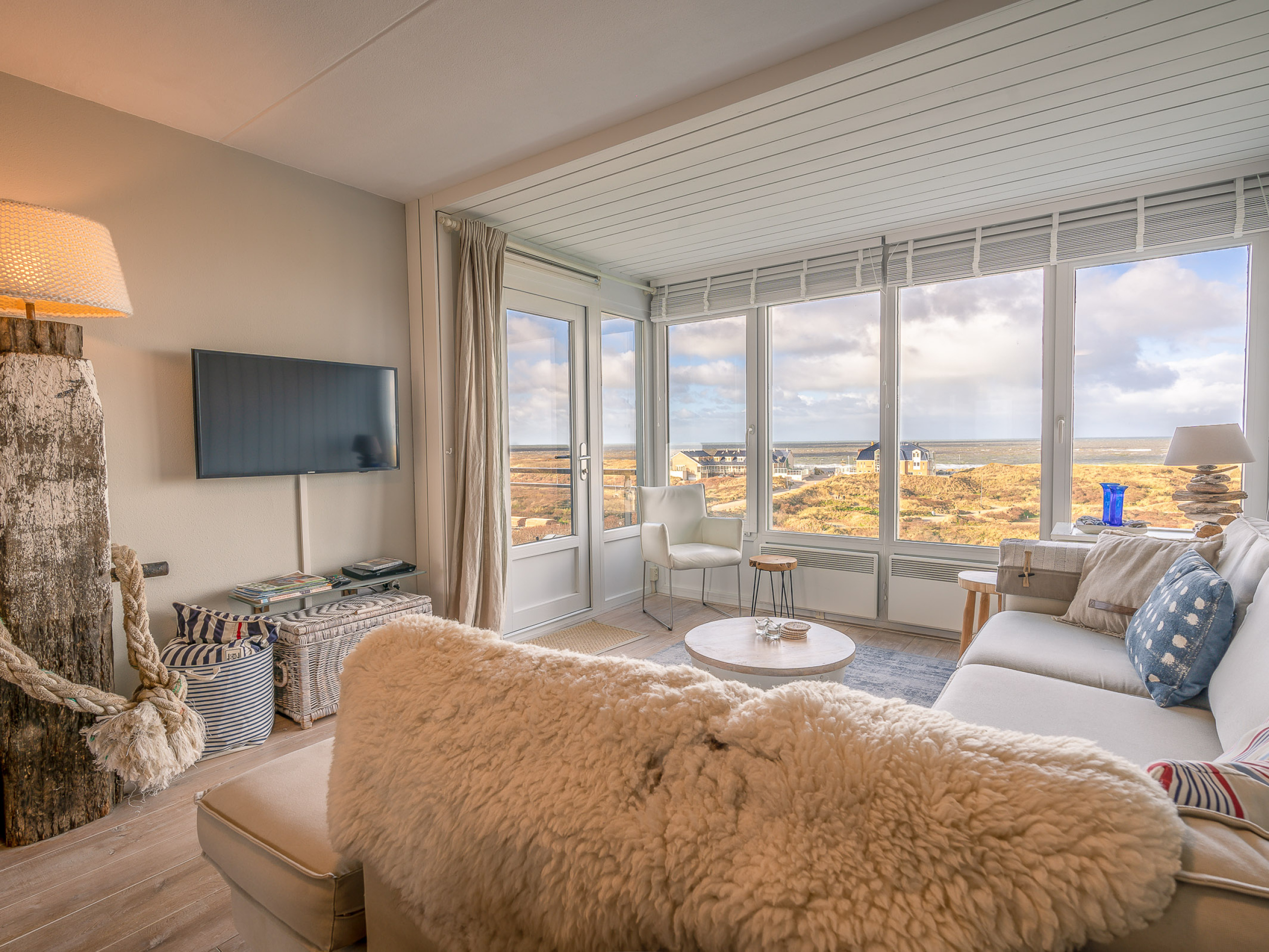Charming apartment near De Koog with a view over the North Sea