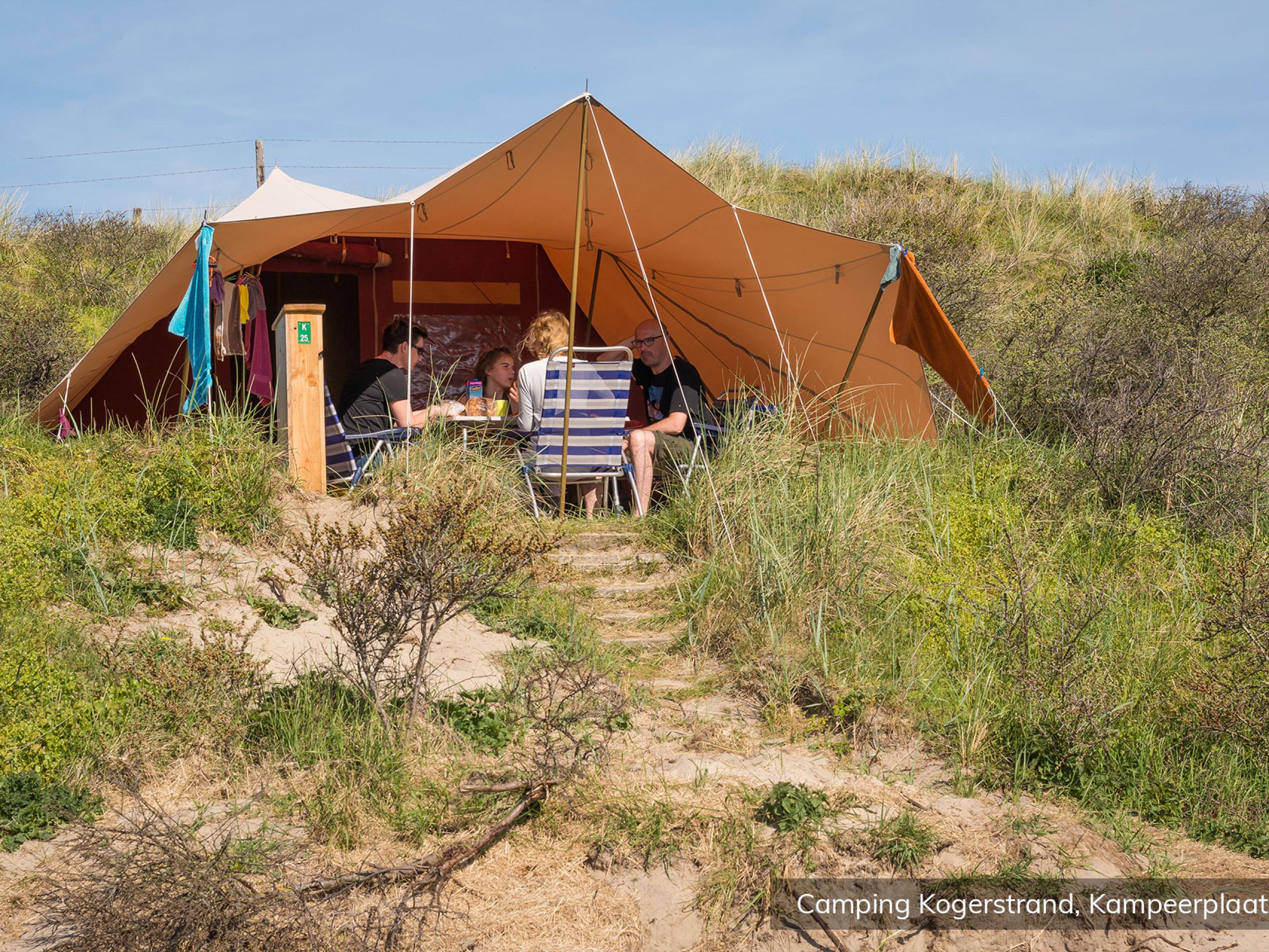 Camping in der Mitte der Texel Dünen am Noordzeestrand in De Koog