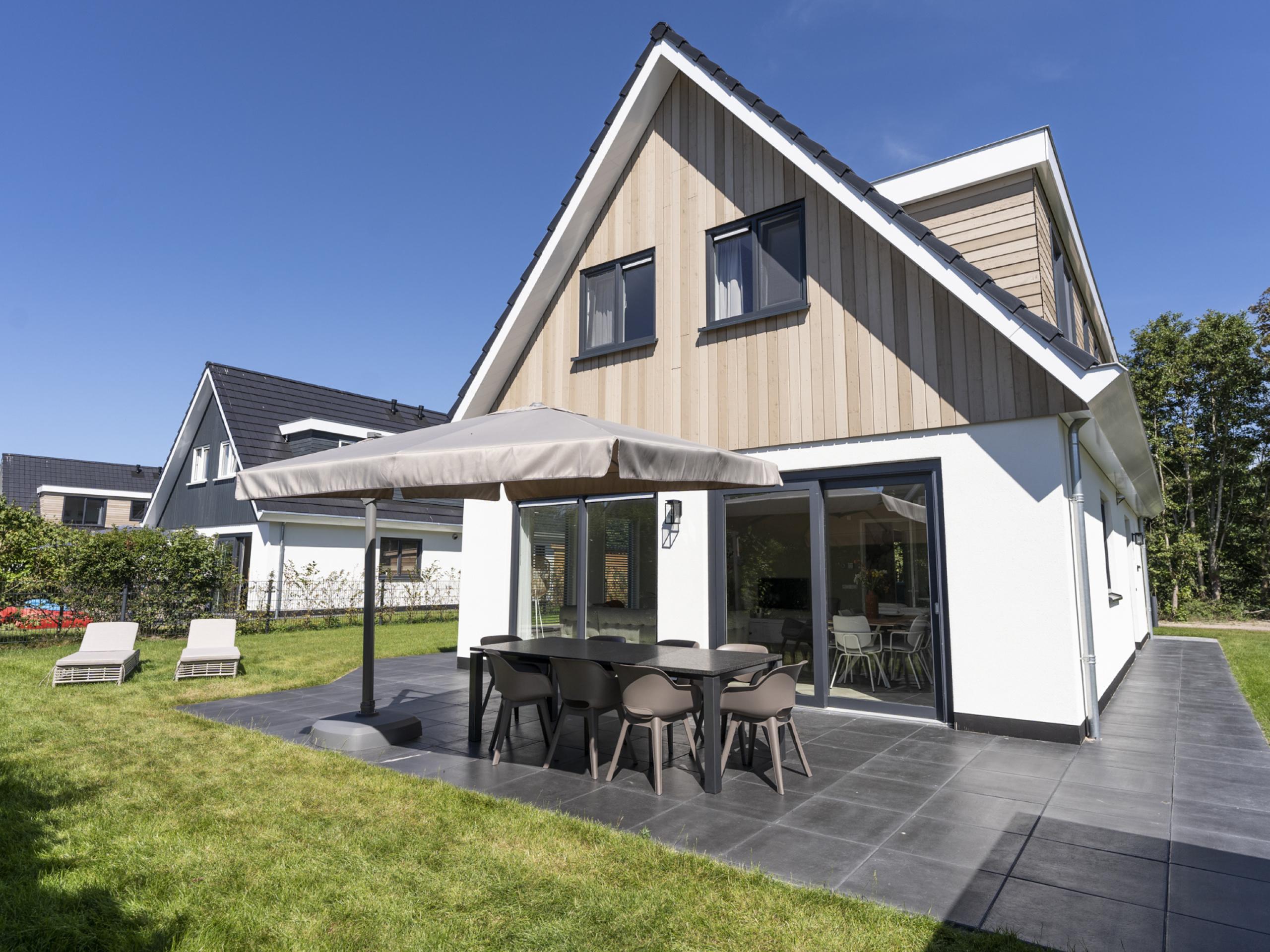 Luxe villa op 10 minuten lopen van Noordzeestrand