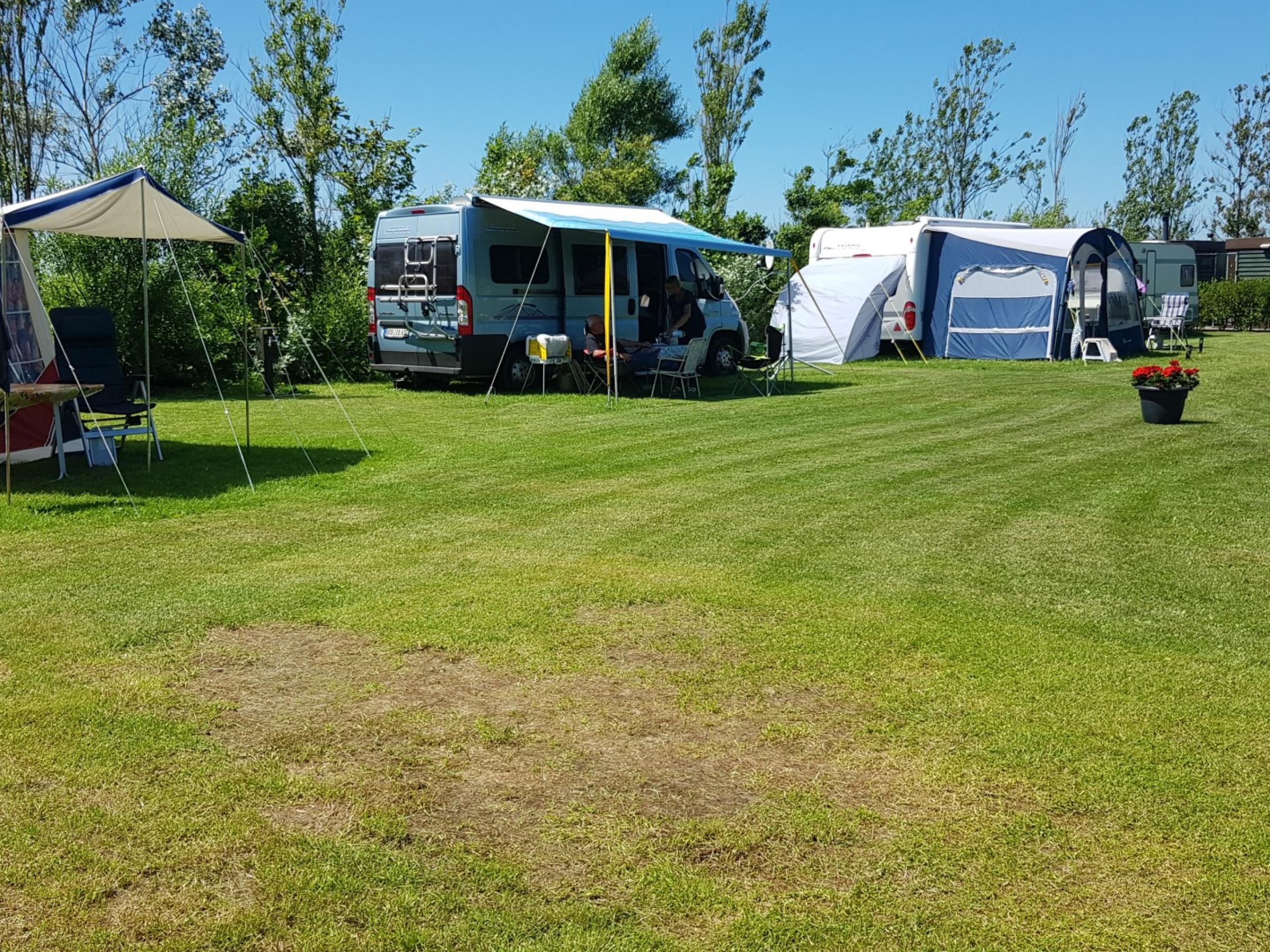 Kleiner und freundlicher Campingplatz mit privaten Sanitäranlagen