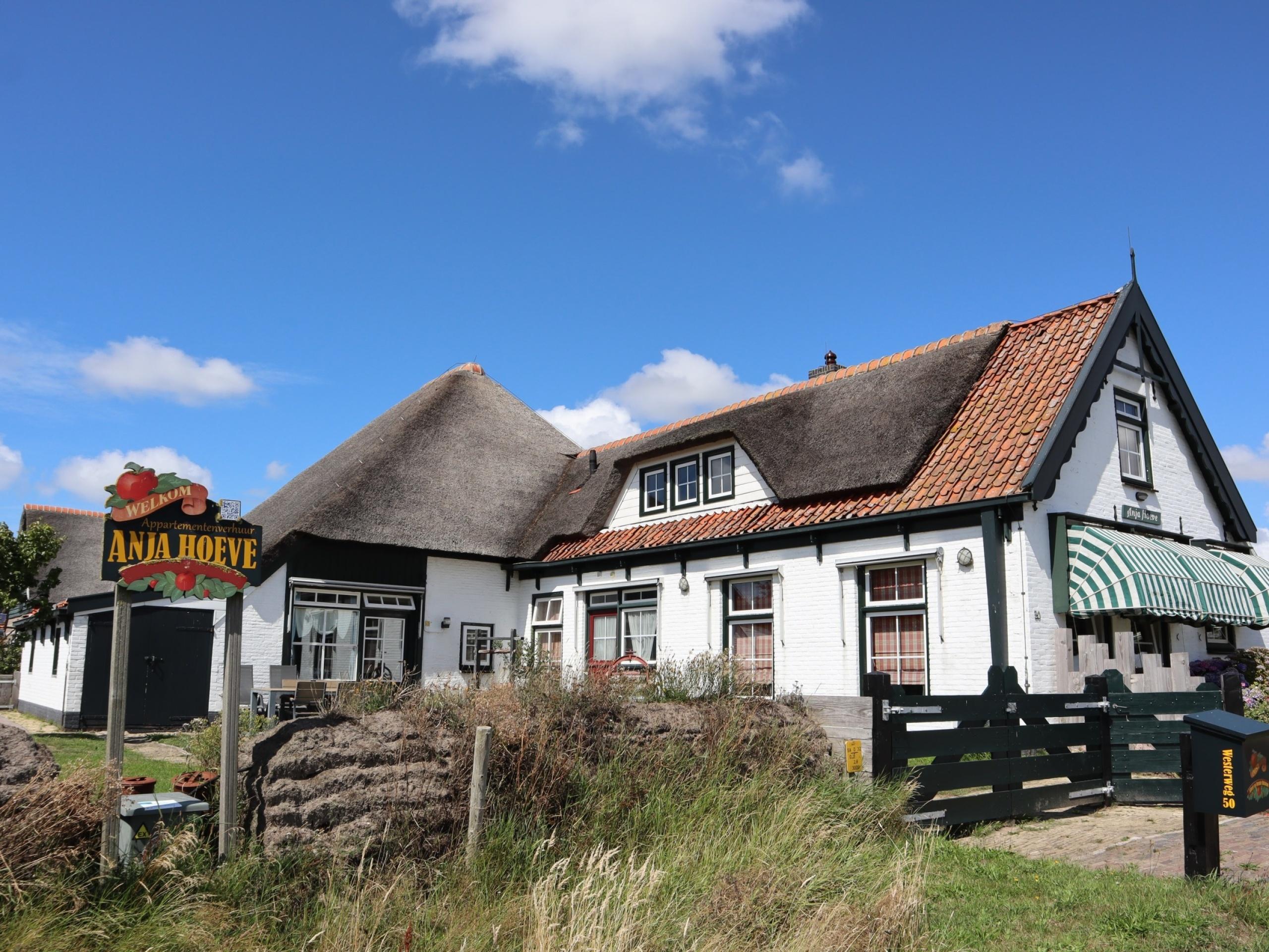 Appartement nah zu Den Hoorn in reetgedecktem Bauernhof