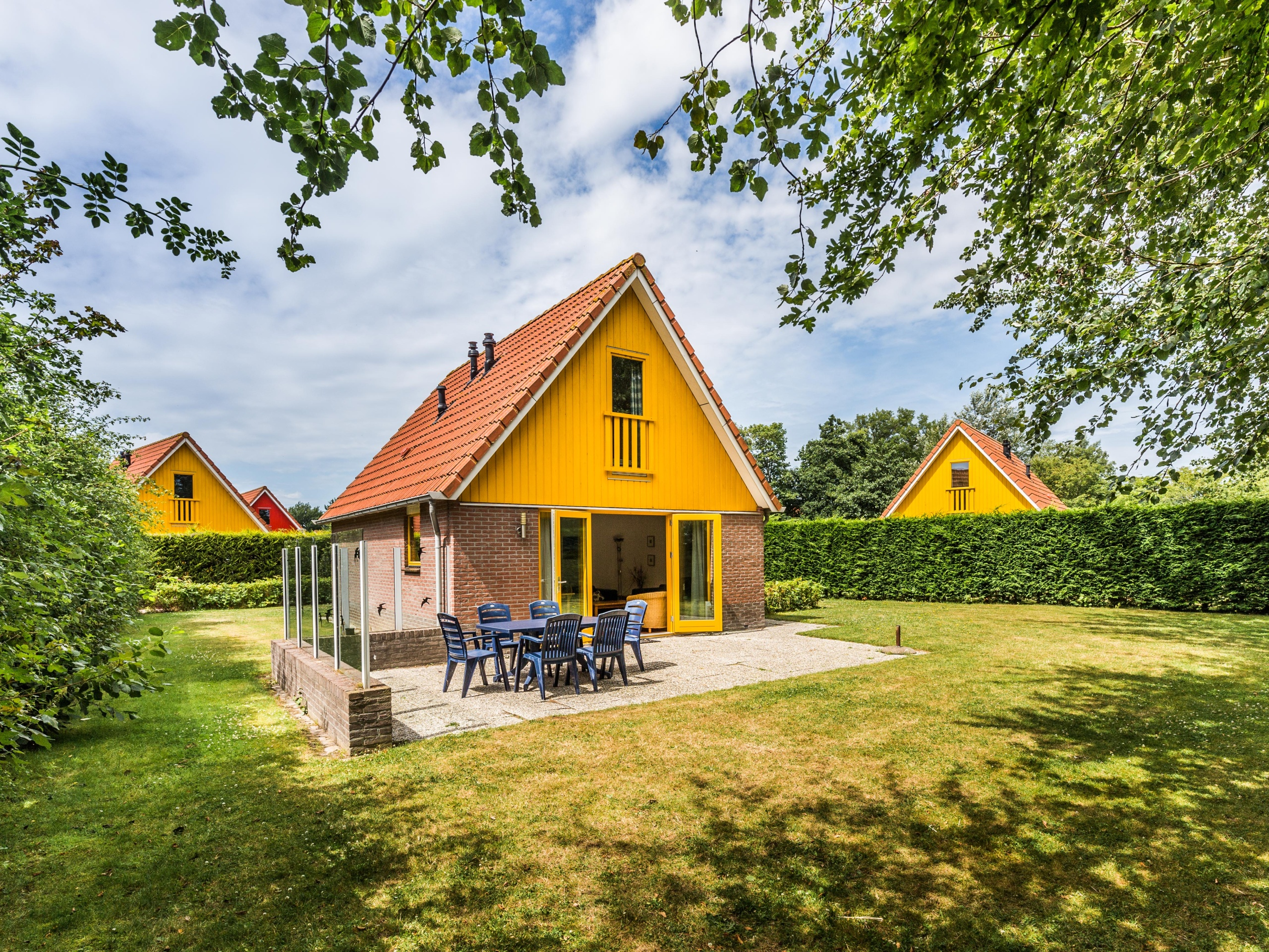 Detached holiday home by the Waddenzee and nature reserve Utopia